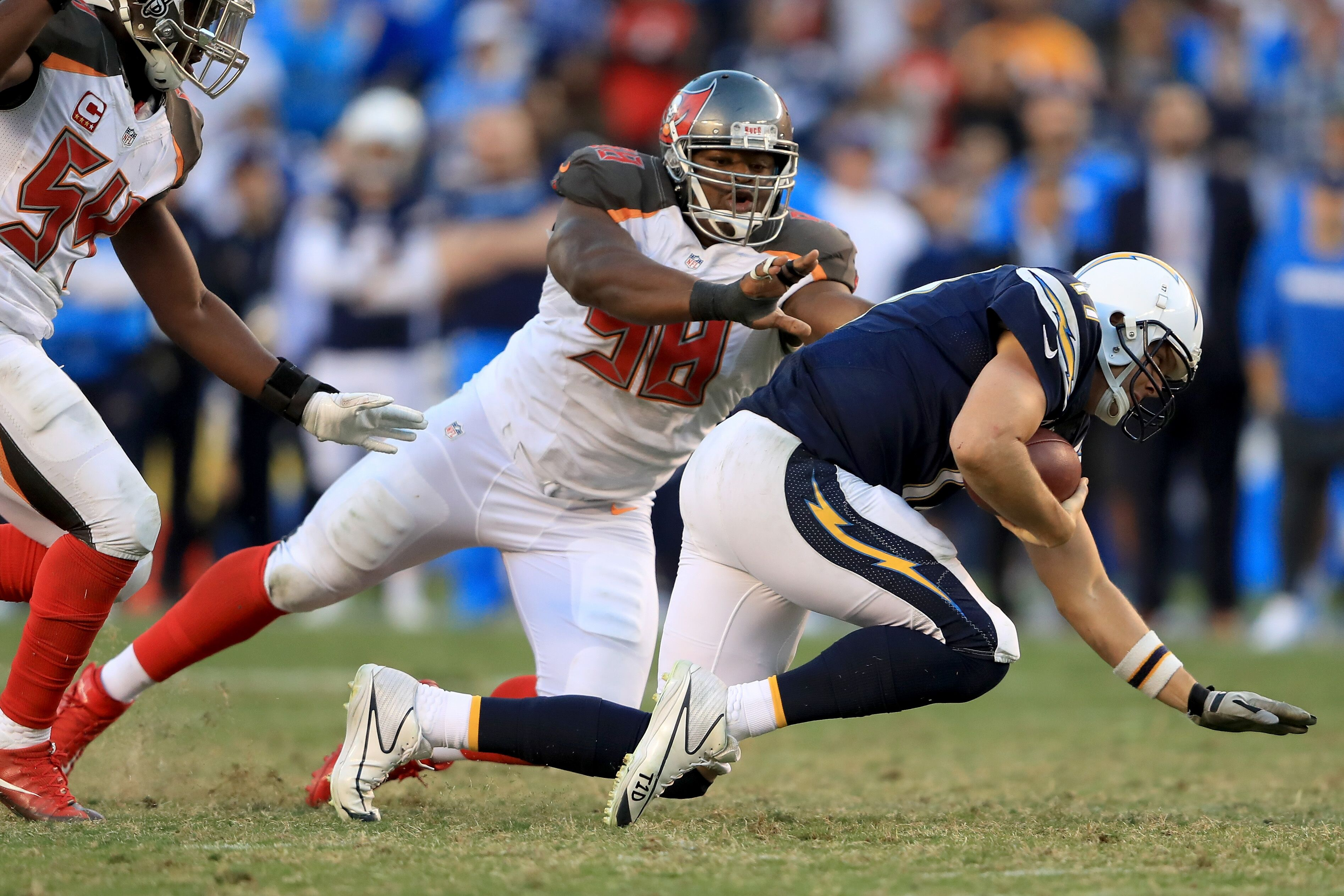 Buccaneers Name Clinton Mcdonald Their 2017 Man Of The