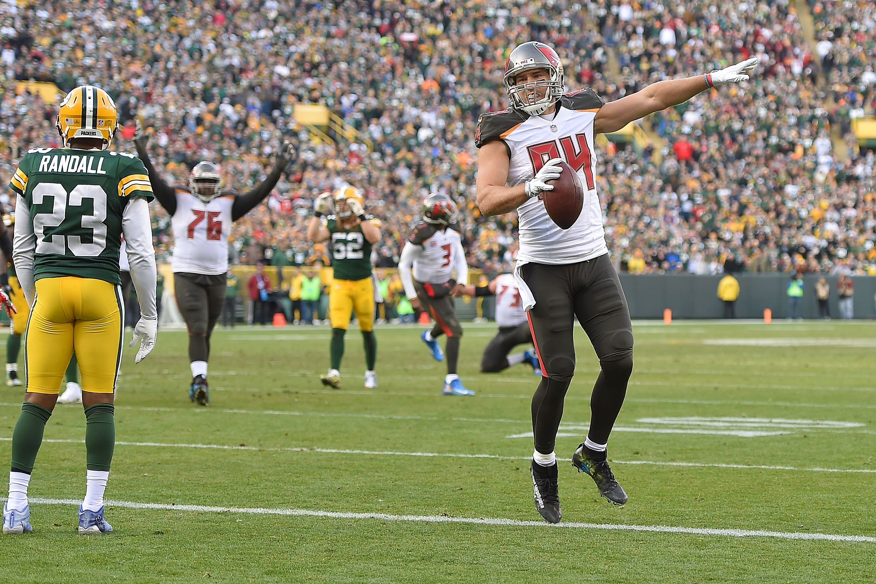 Buccaneers  Trading Cam Brate may be the best move for the Bucs a5fc0fd09