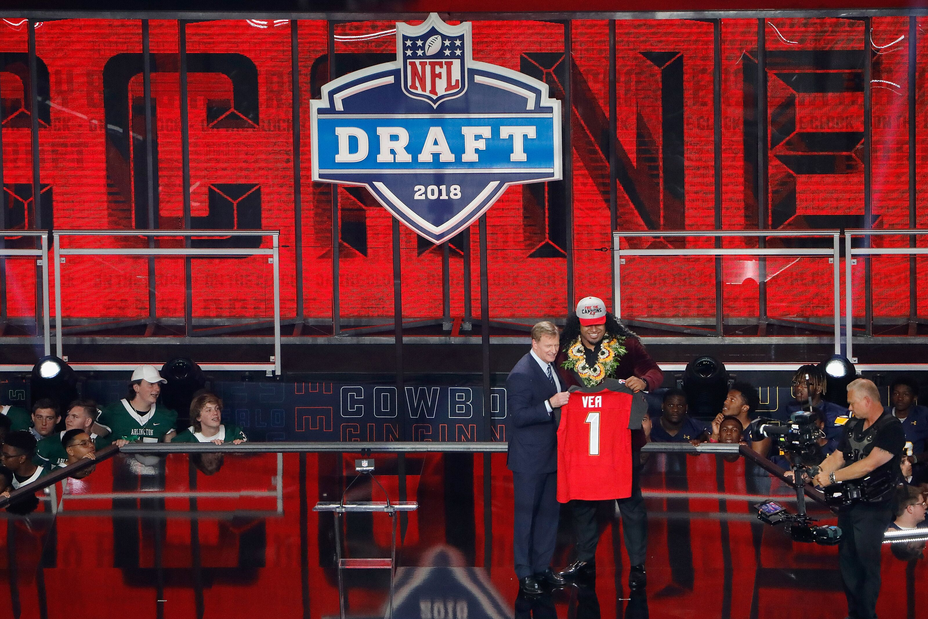 buy popular 42479 0acc8 Tampa Bay Buccaneers: Three things to know about Vita Vea