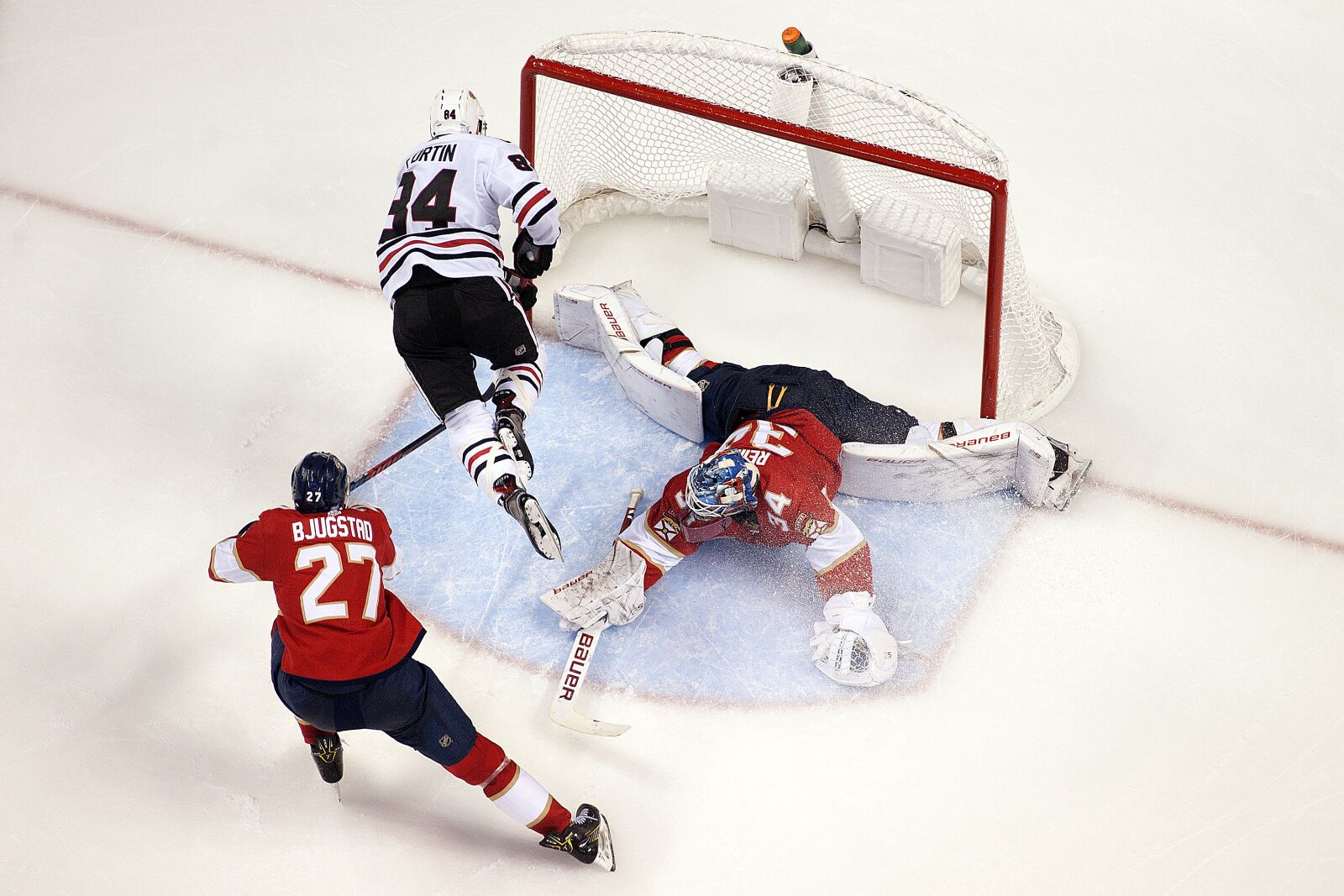 Florida Panthers Lose in Ugliest Fashion Against the Hawks