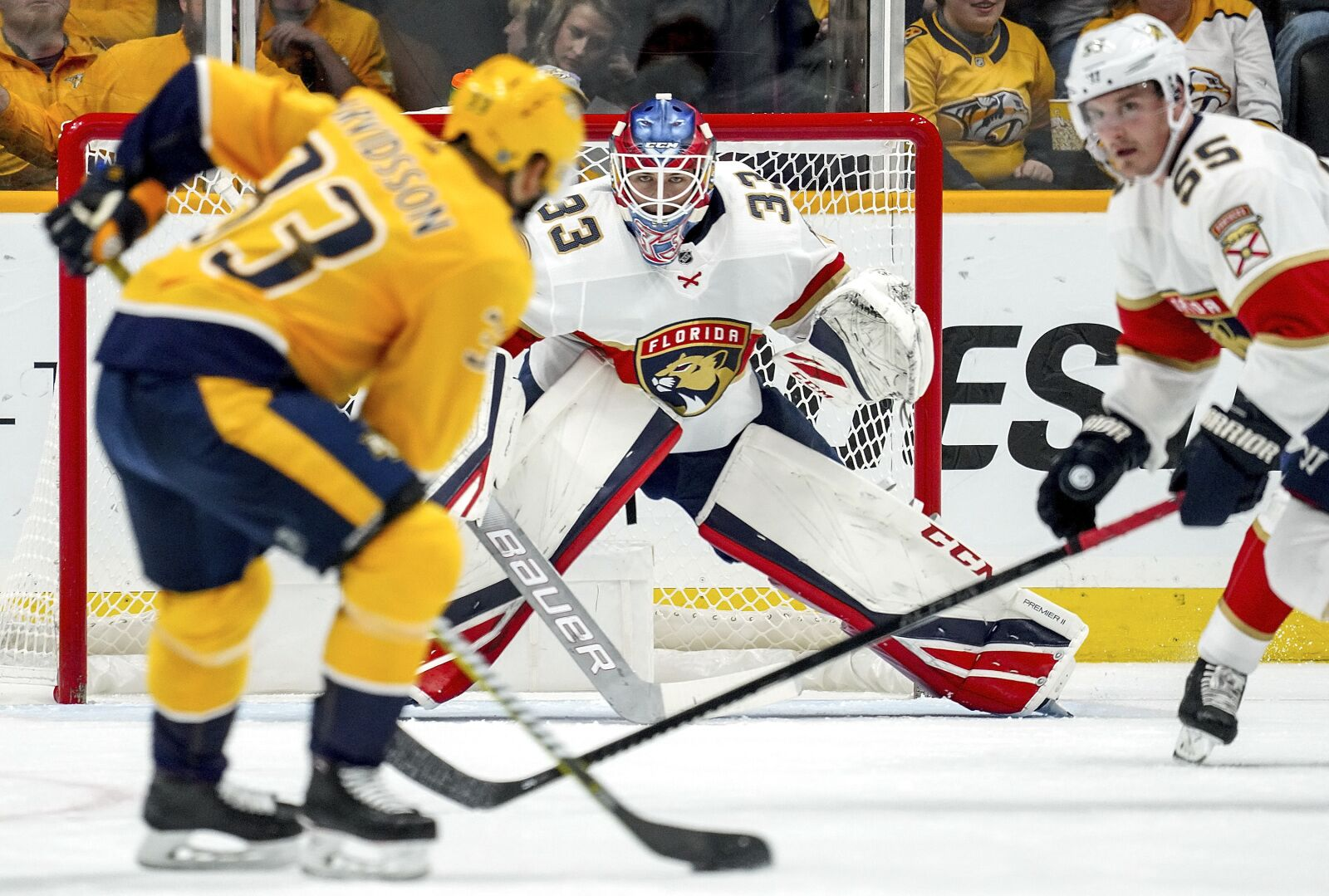 Florida Panthers Hold On, Montembeault Dazzles in 3-2 SO Win