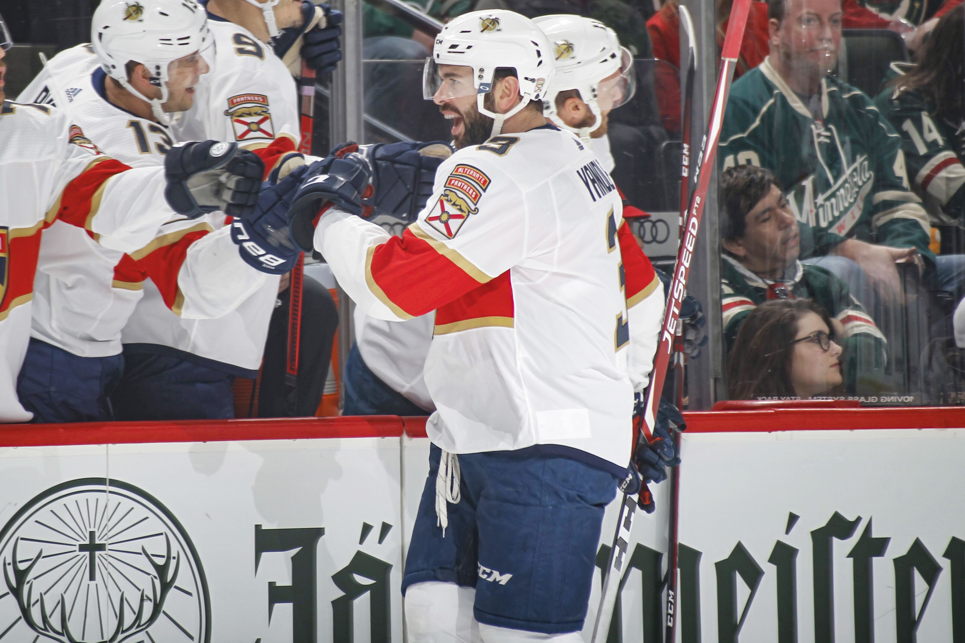 Florida Panthers Complete Comeback in Late Thriller to Win over Wild, 5-4