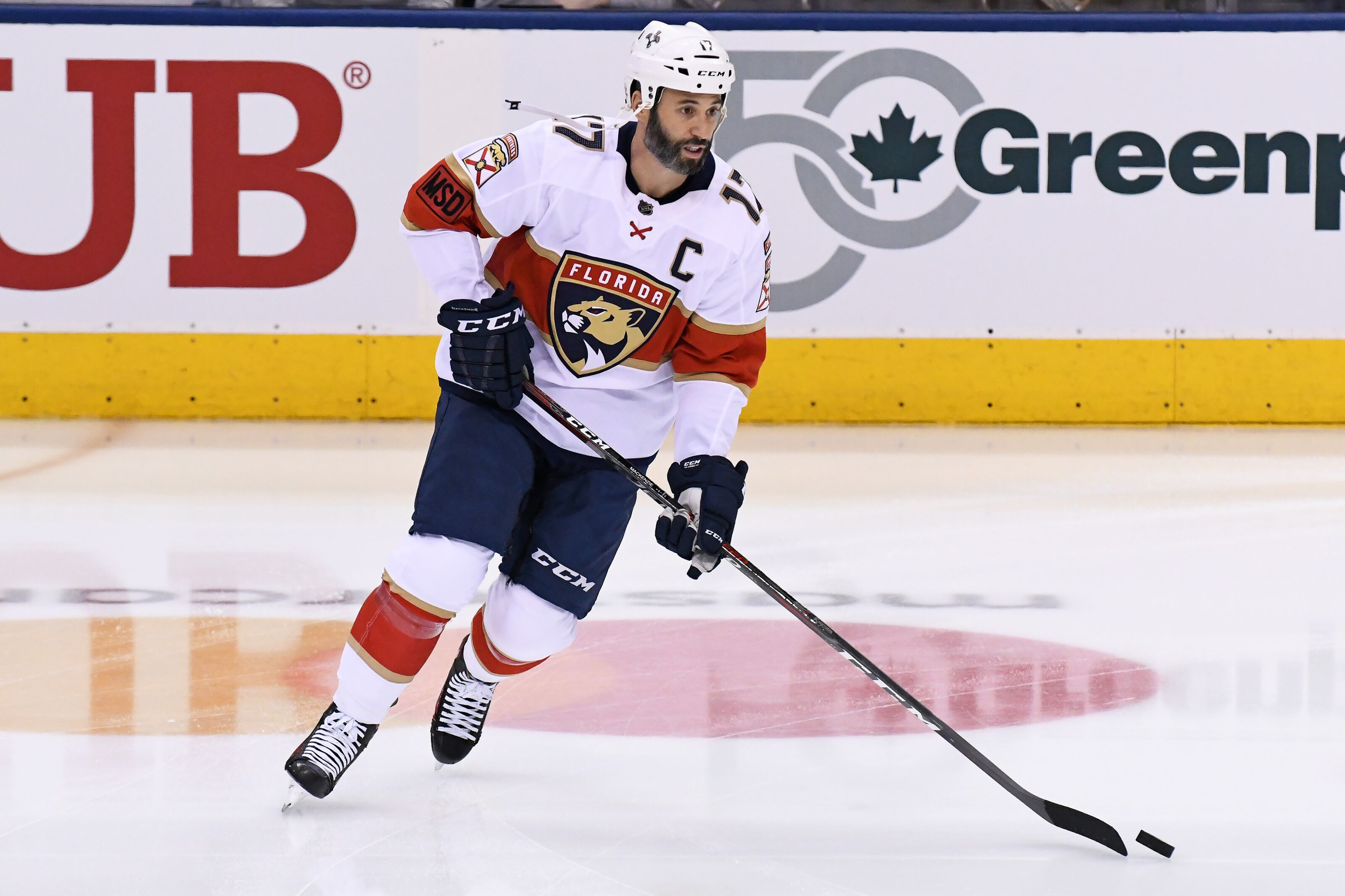 db9386326cb Florida Panthers  Derek MacKenzie Will Retire at the End of the Season