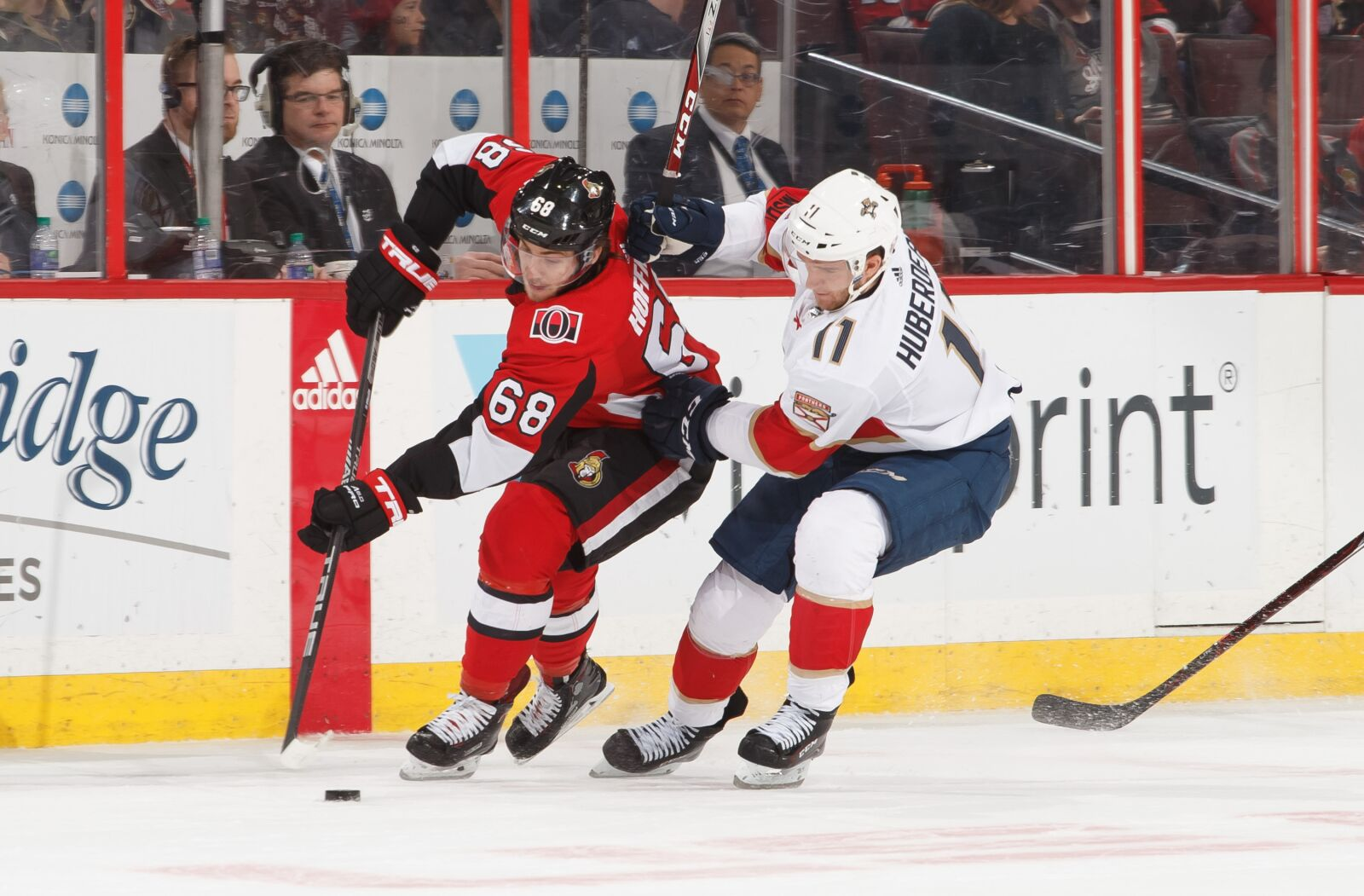 Florida Panthers: Which Winger Will Have a Better Season?
