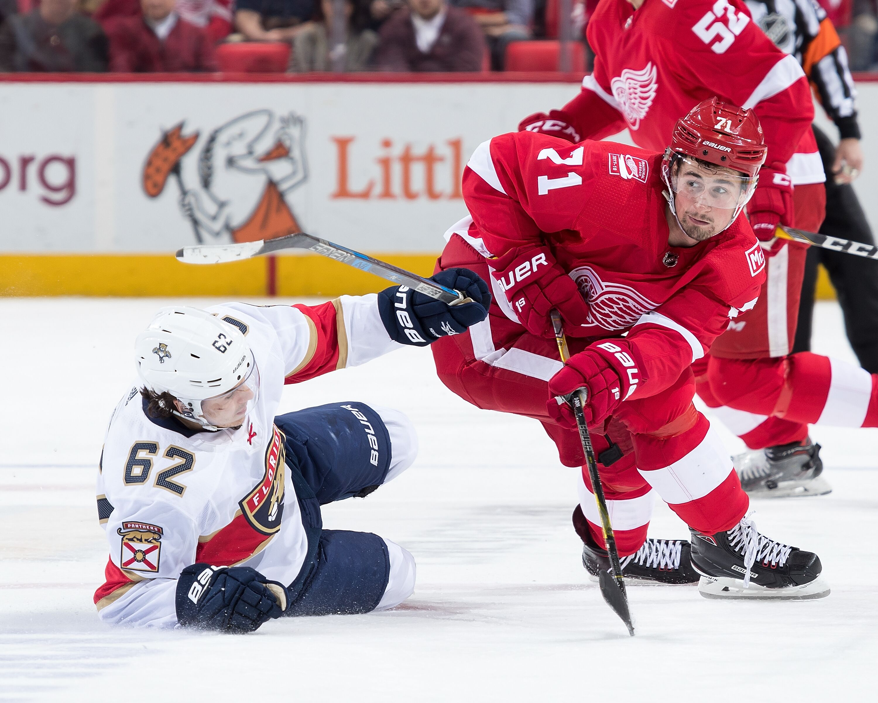 901688556-florida-panthers-v-detroit-red-wings.jpg