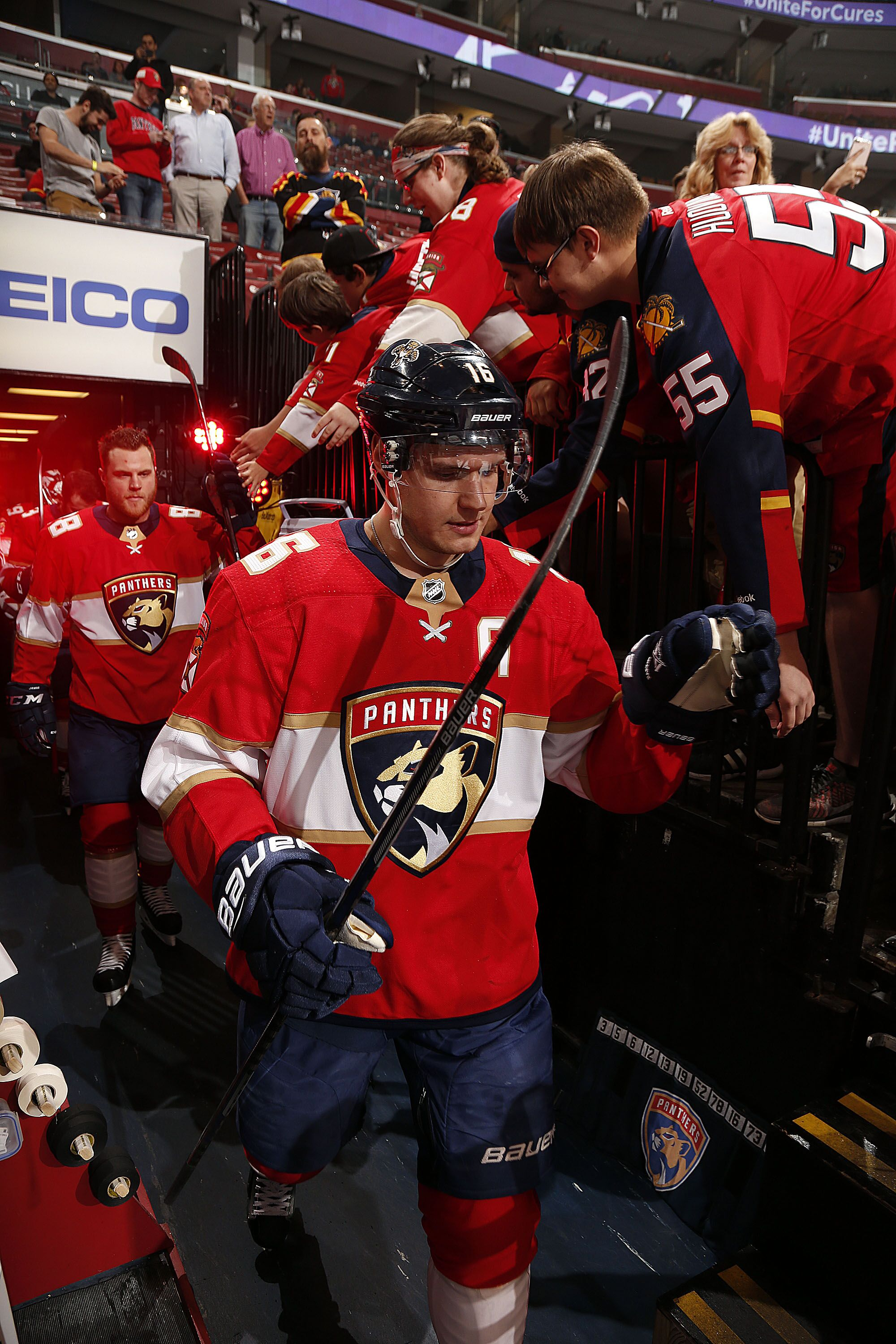 904916176-calgary-flames-v-florida-panthers.jpg