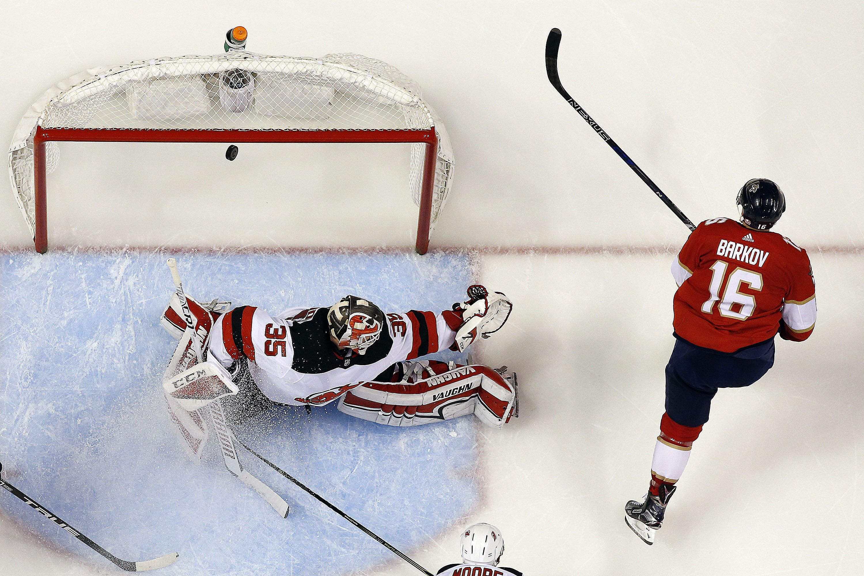 2a0b327cf78 Florida Panthers edge out the New Jersey Devils for a much-needed victory