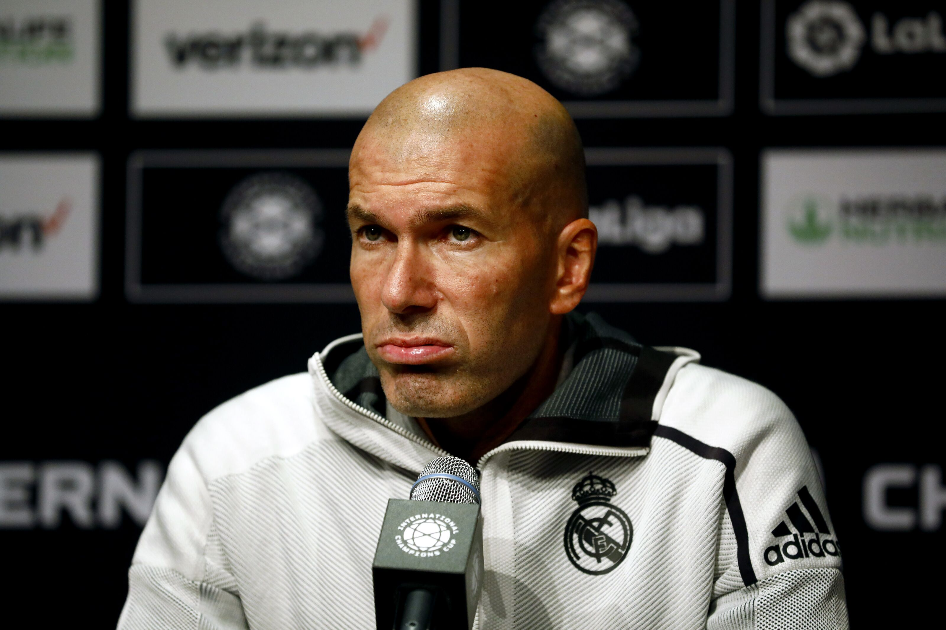 David Beckham wants Zinedine Zidane as his coach, but that's a pipe dream