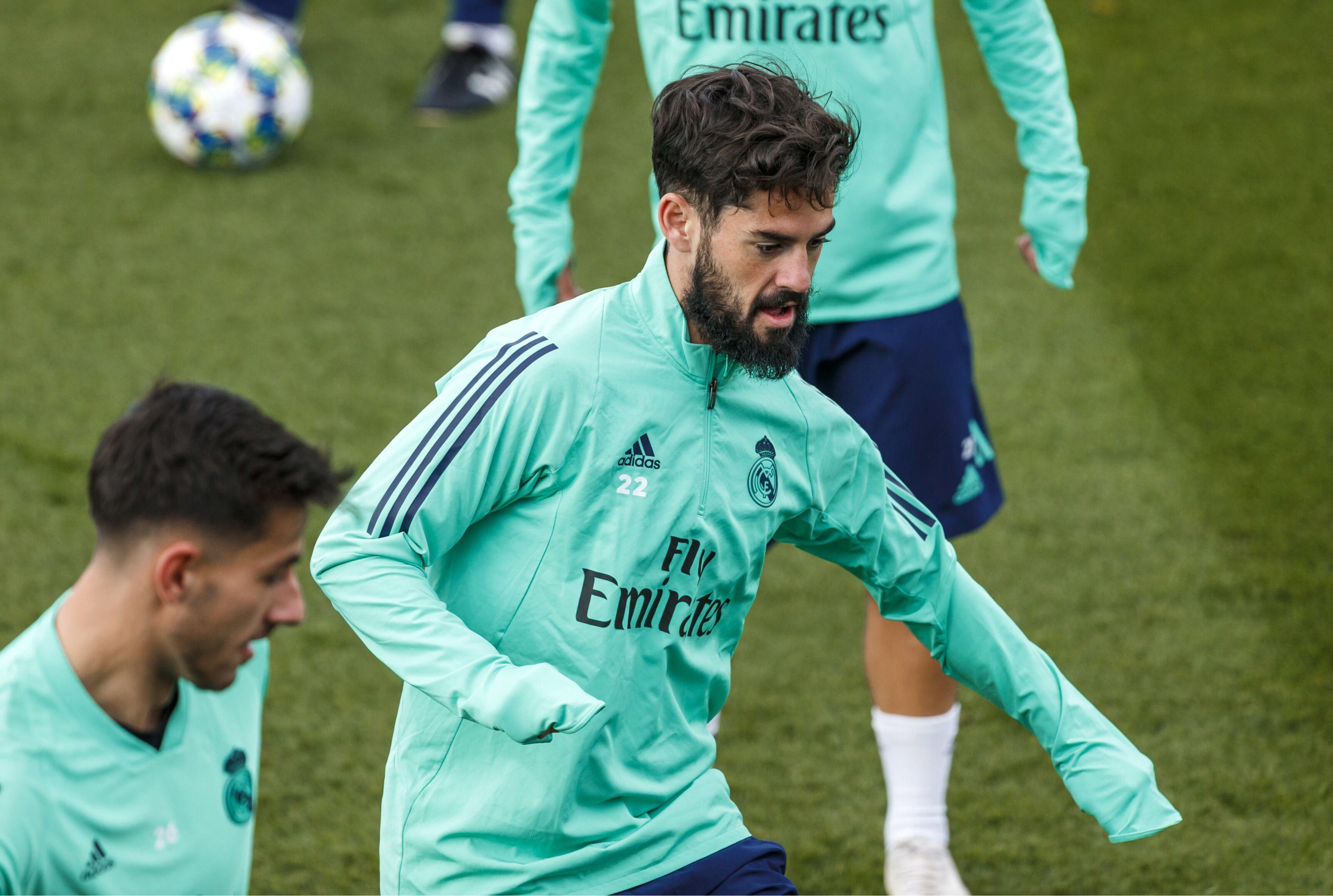 Real Madrid to use Isco in order to reduce Paul Pogba price?