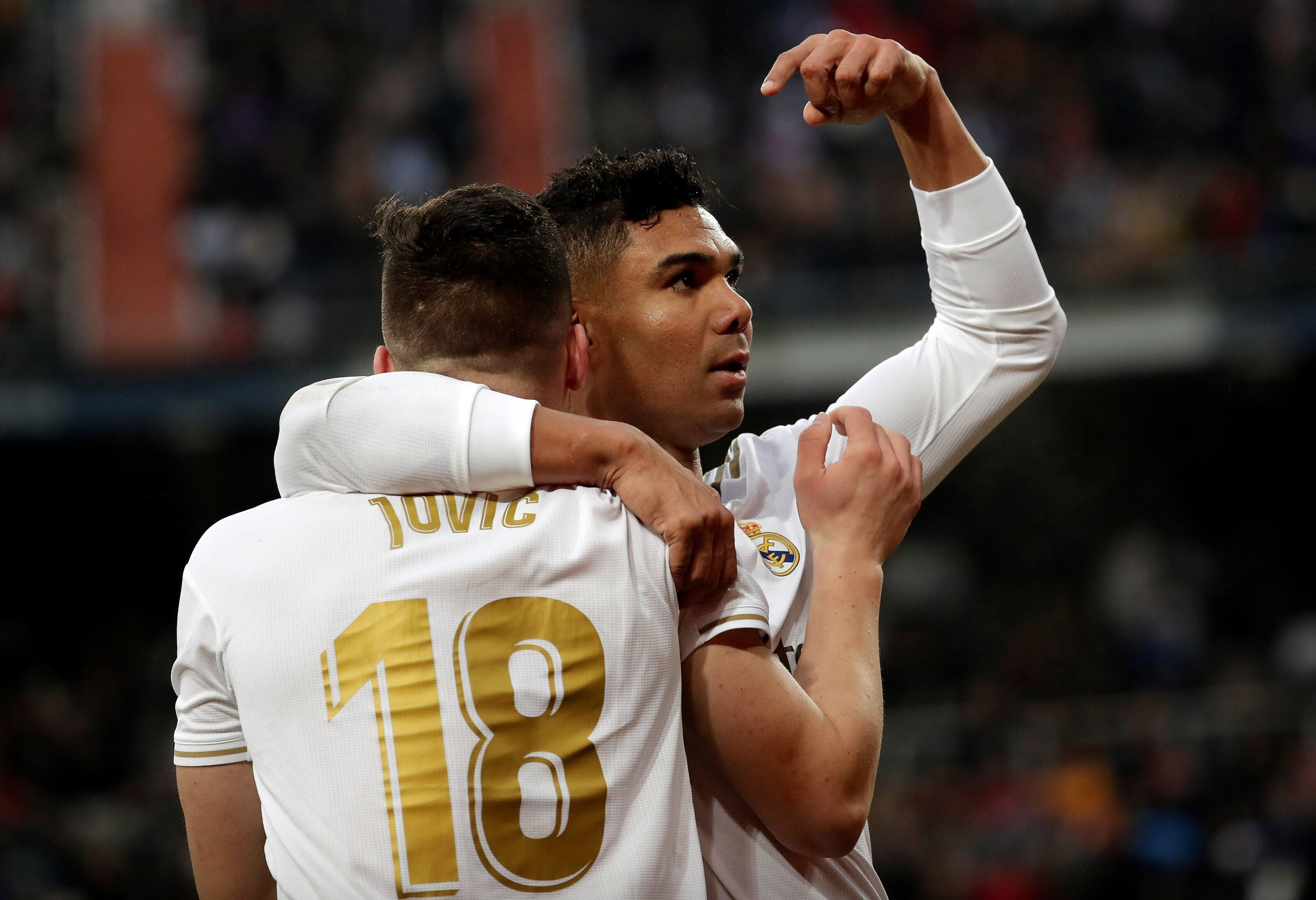 Luka Jovic had a ridiculous backheel assist for Casemiro's first (Video)