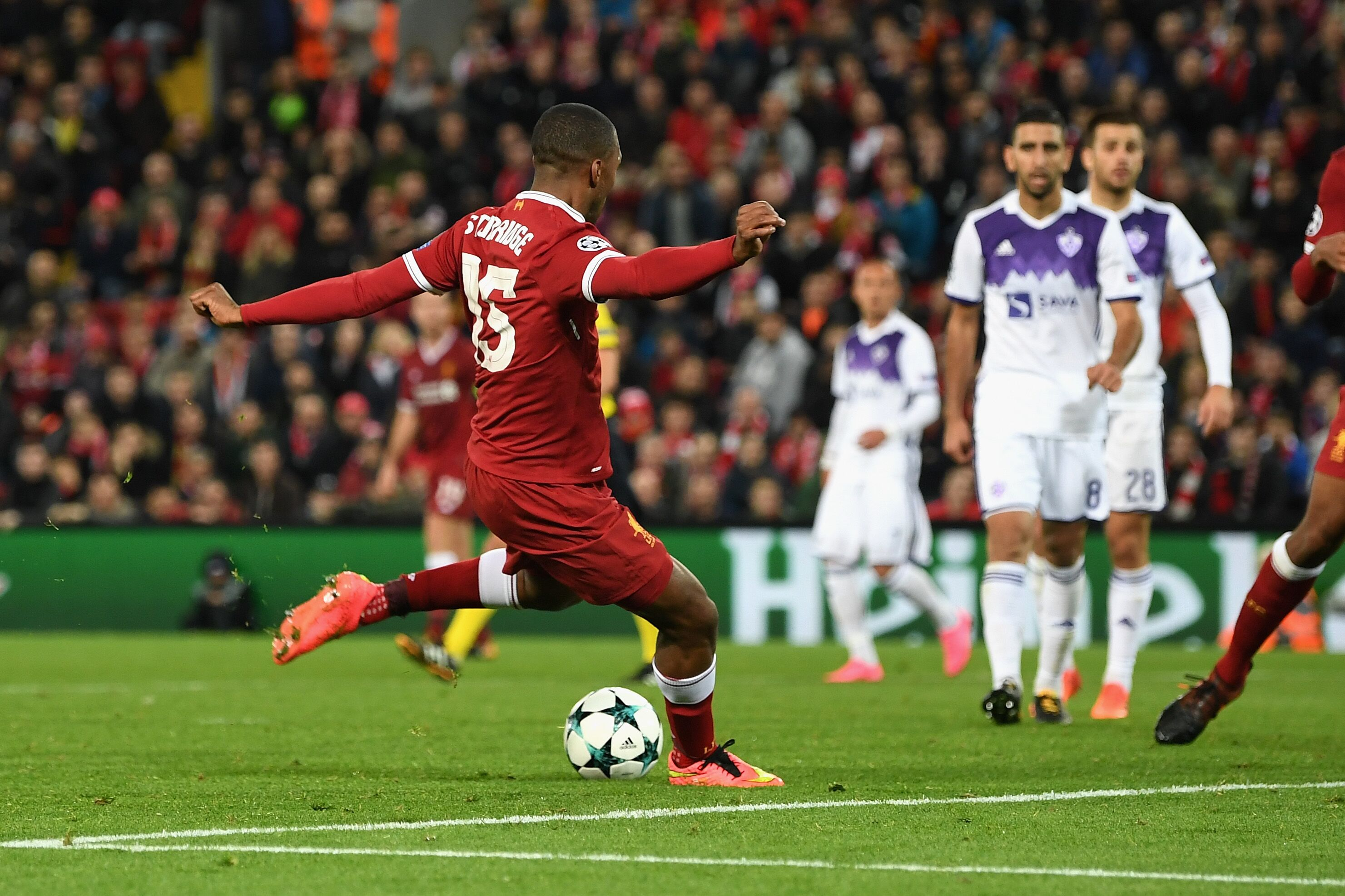 Liverpool: Sturridge needs to make space for a player suited to Klopp's Reds