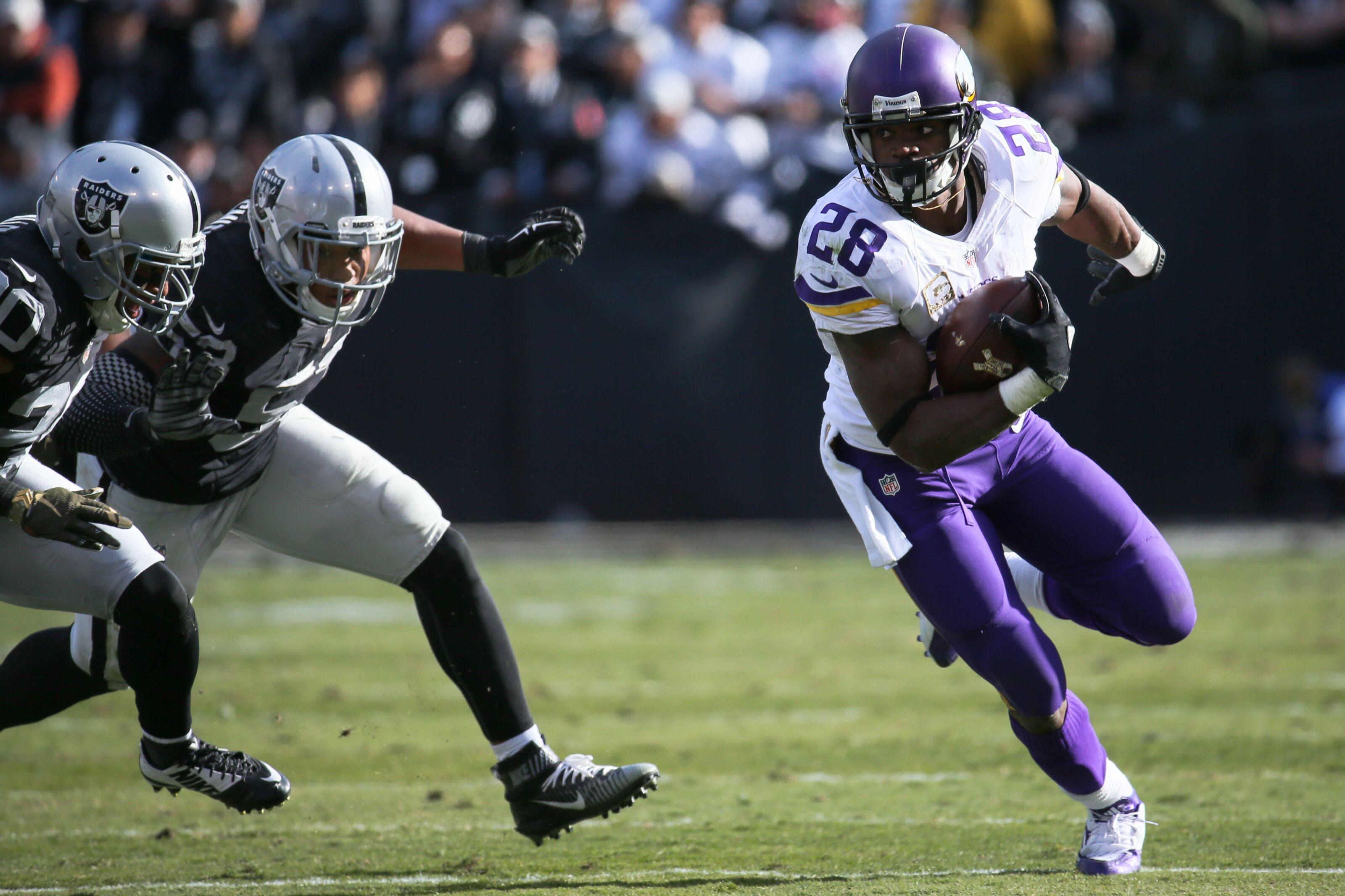 Flashback: Peterson leads Vikings to win over Raiders in 2015
