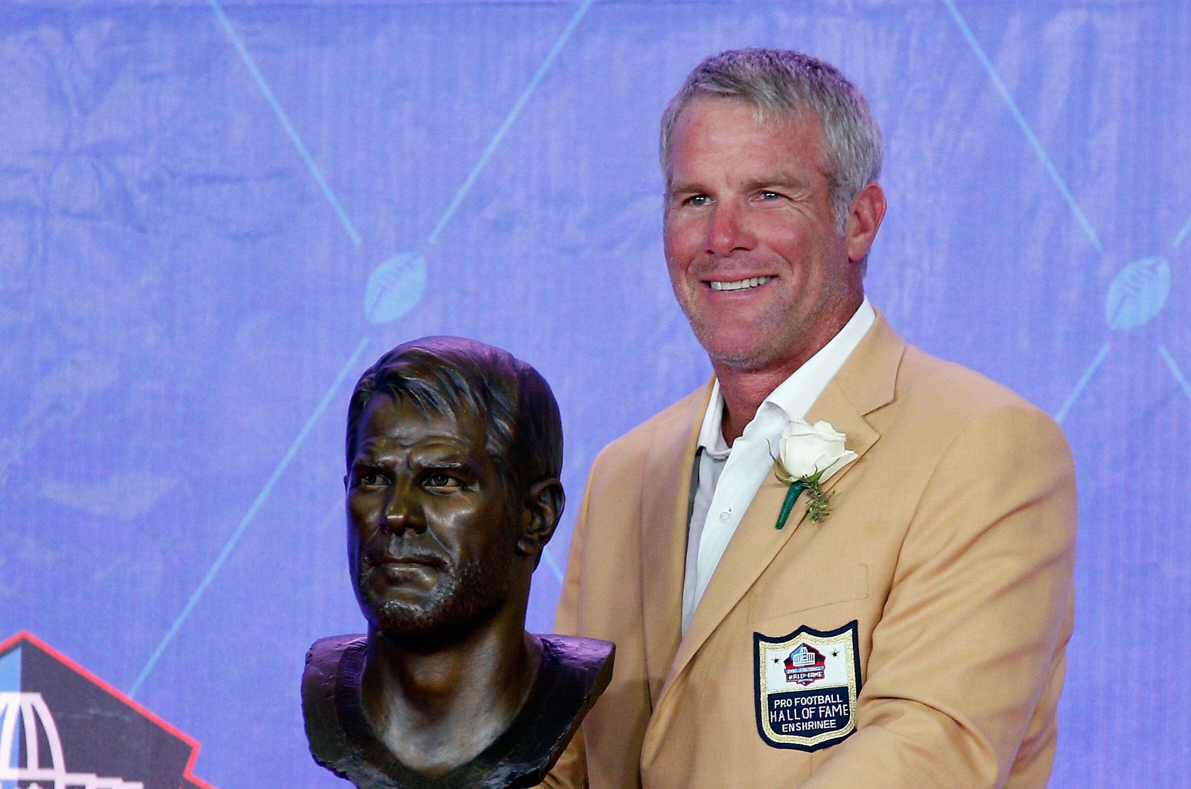 With the Vikings, Favre proved he was better than Rodgers