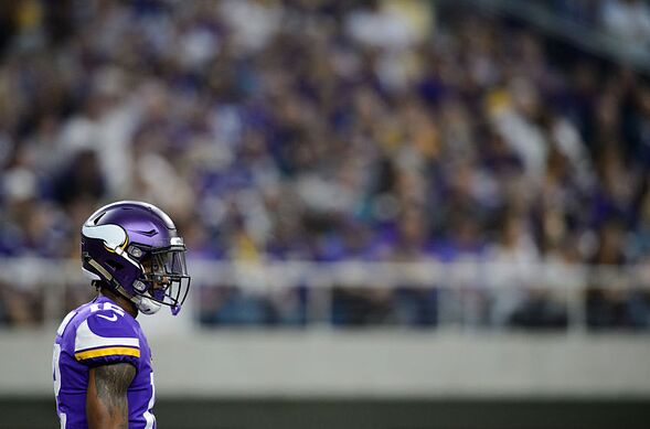 Who Will The Minnesota Vikings Choose To Be Their Starters When They Begin 2017 Nfl Regular Season Against New Orleans Saints On September 11