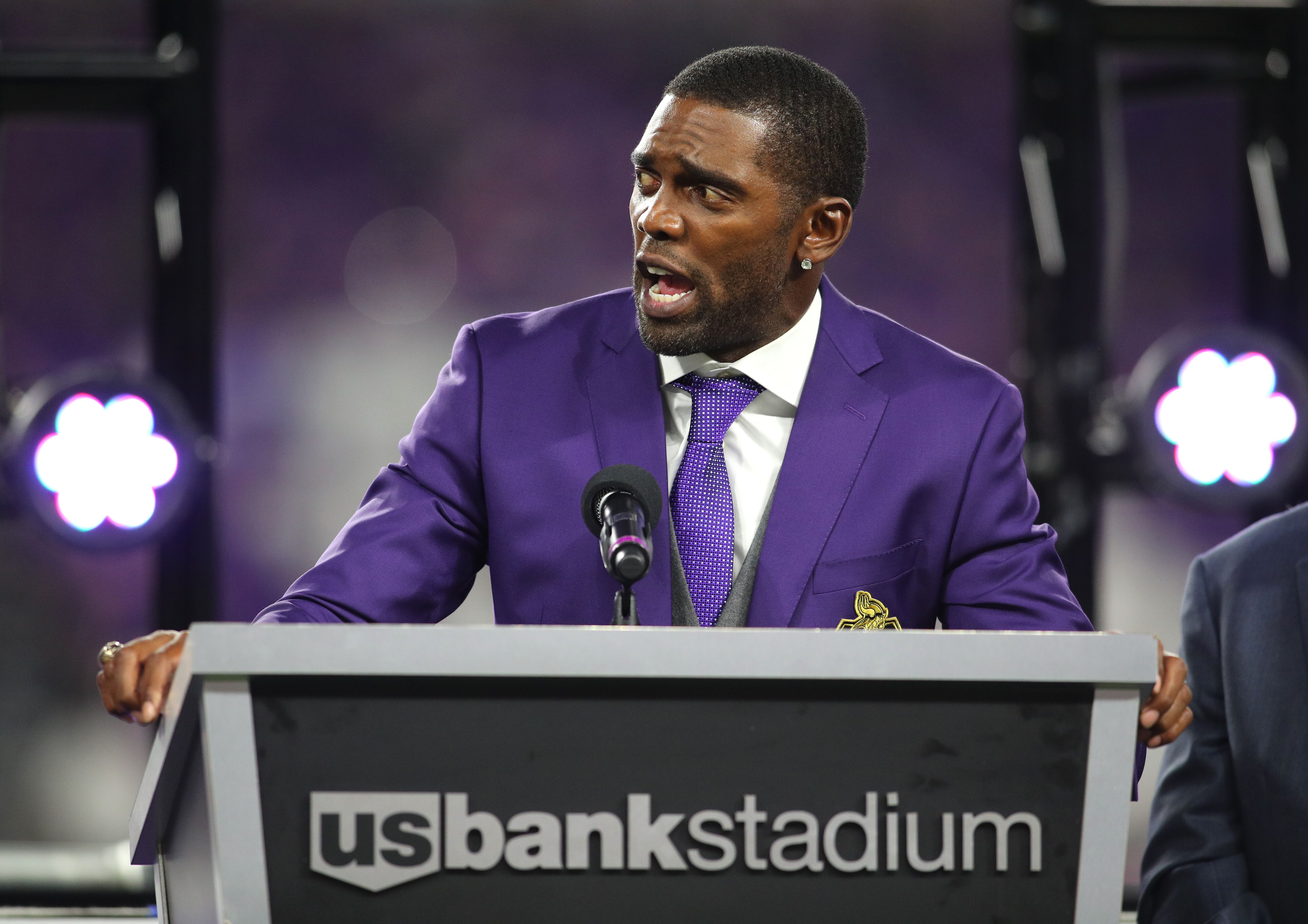 fc855eaa Could Randy Moss join the Vikings' 2019 coaching staff?