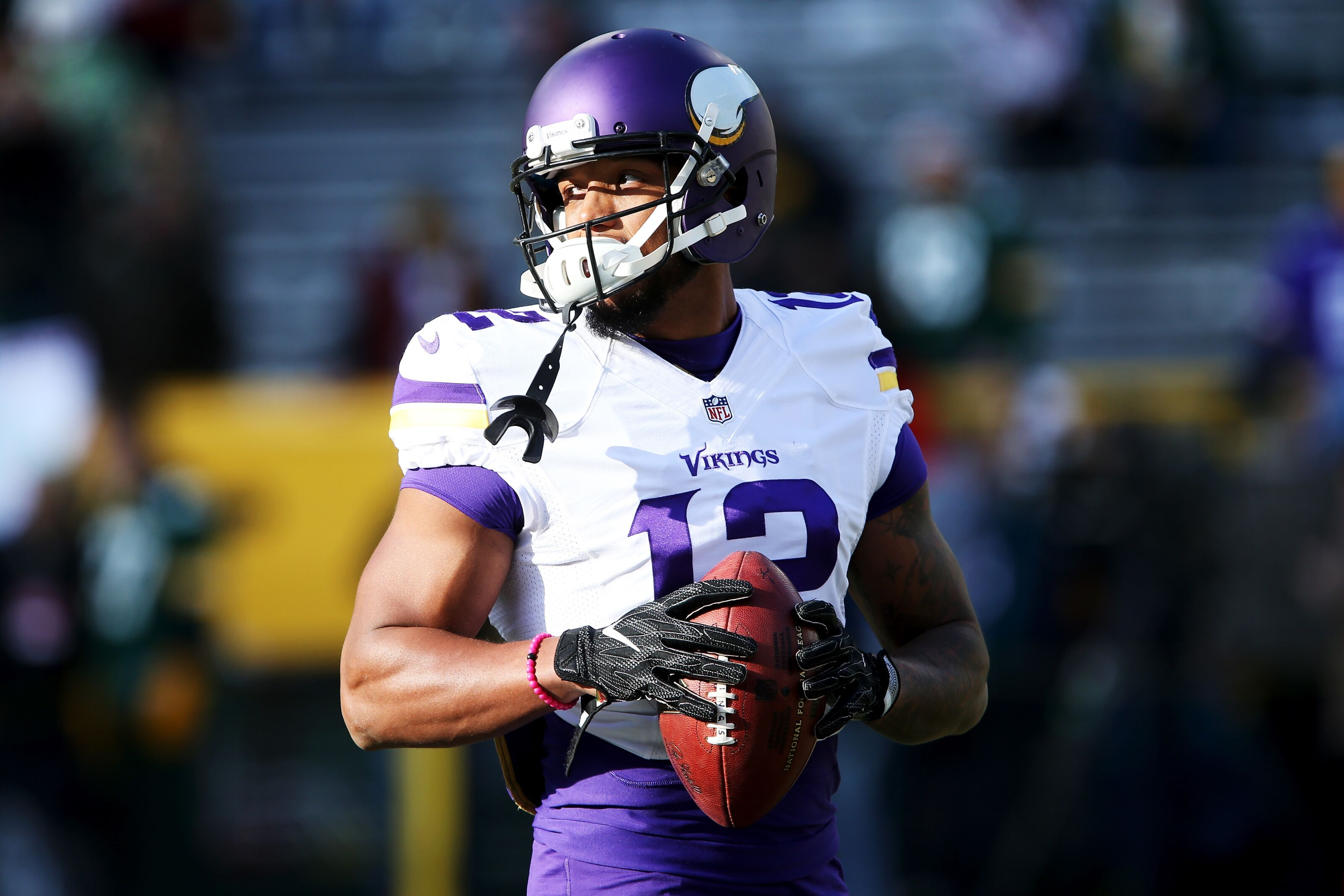 86d0696771a Former Vikings receiver has impressive day in new football league