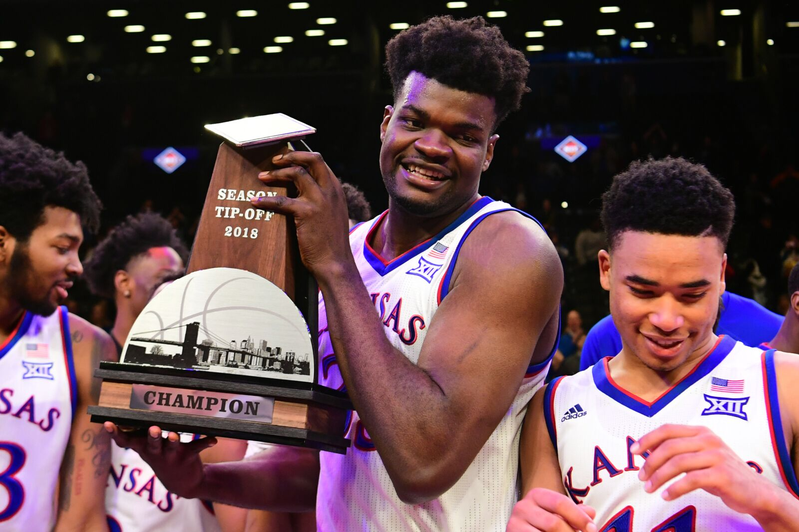 Kansas basketball's Udoka Azubuike and Devon Dotson receive Big 12 preseason honors