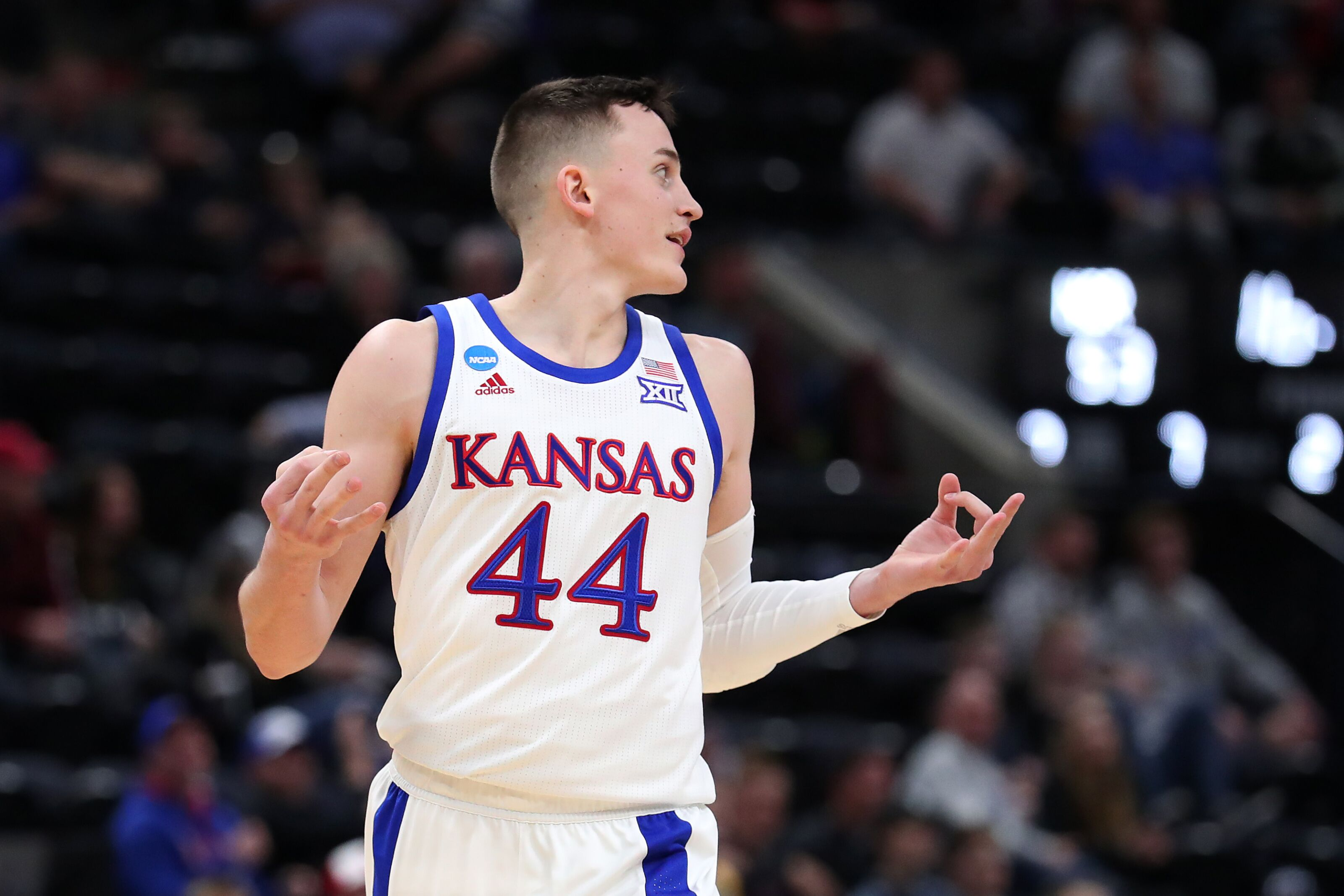 Kansas basketball: In a loaded frontcourt, where does Mitch lightfoot fit?