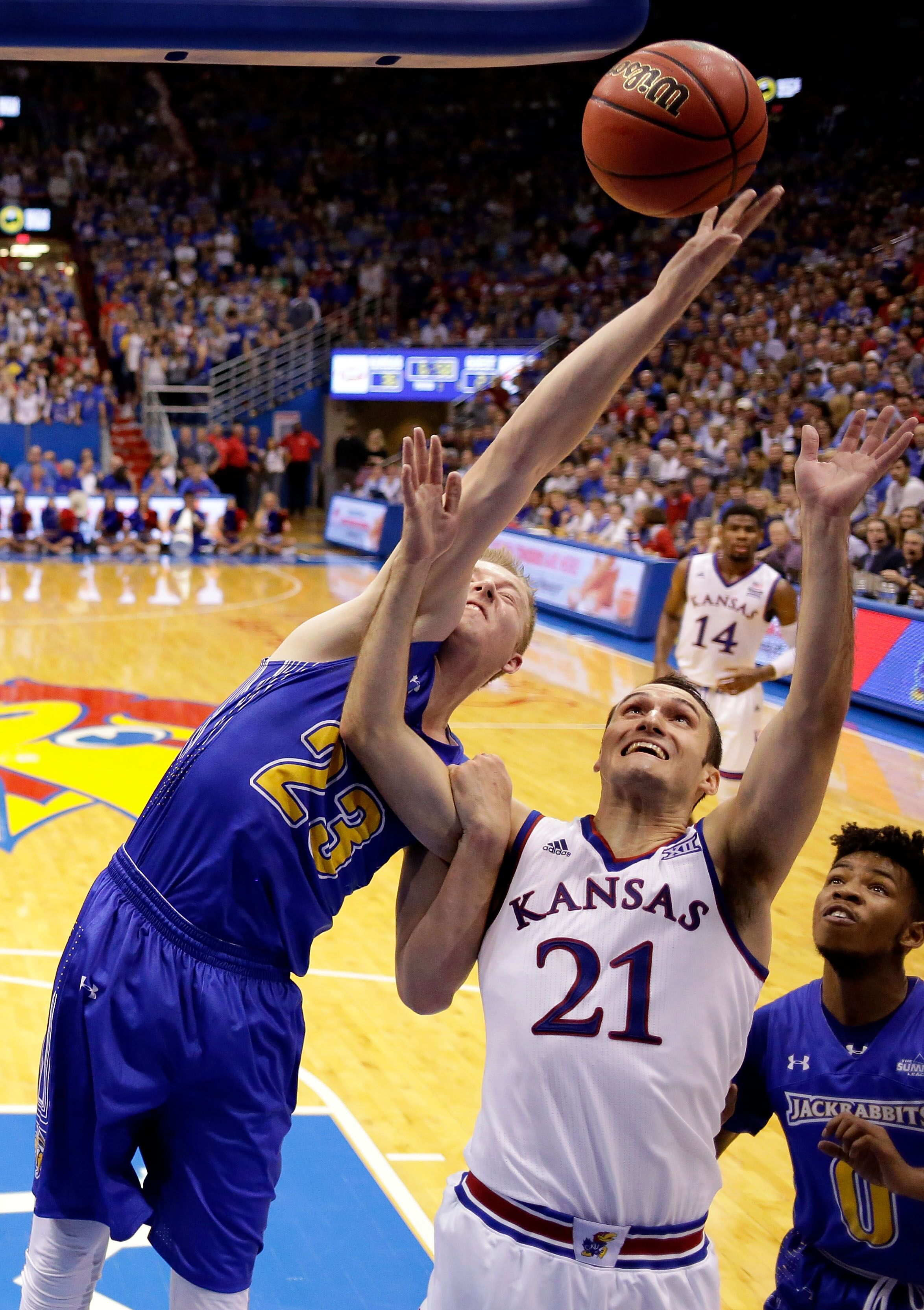 875522252-south-dakota-state-v-kansas.jpg