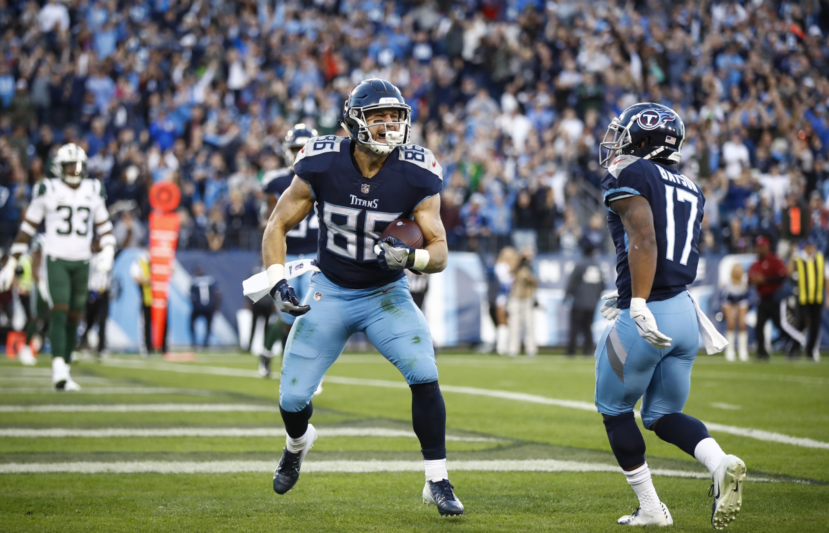 Potential NFL trend makes Titans TEs Smith, Firkser more important