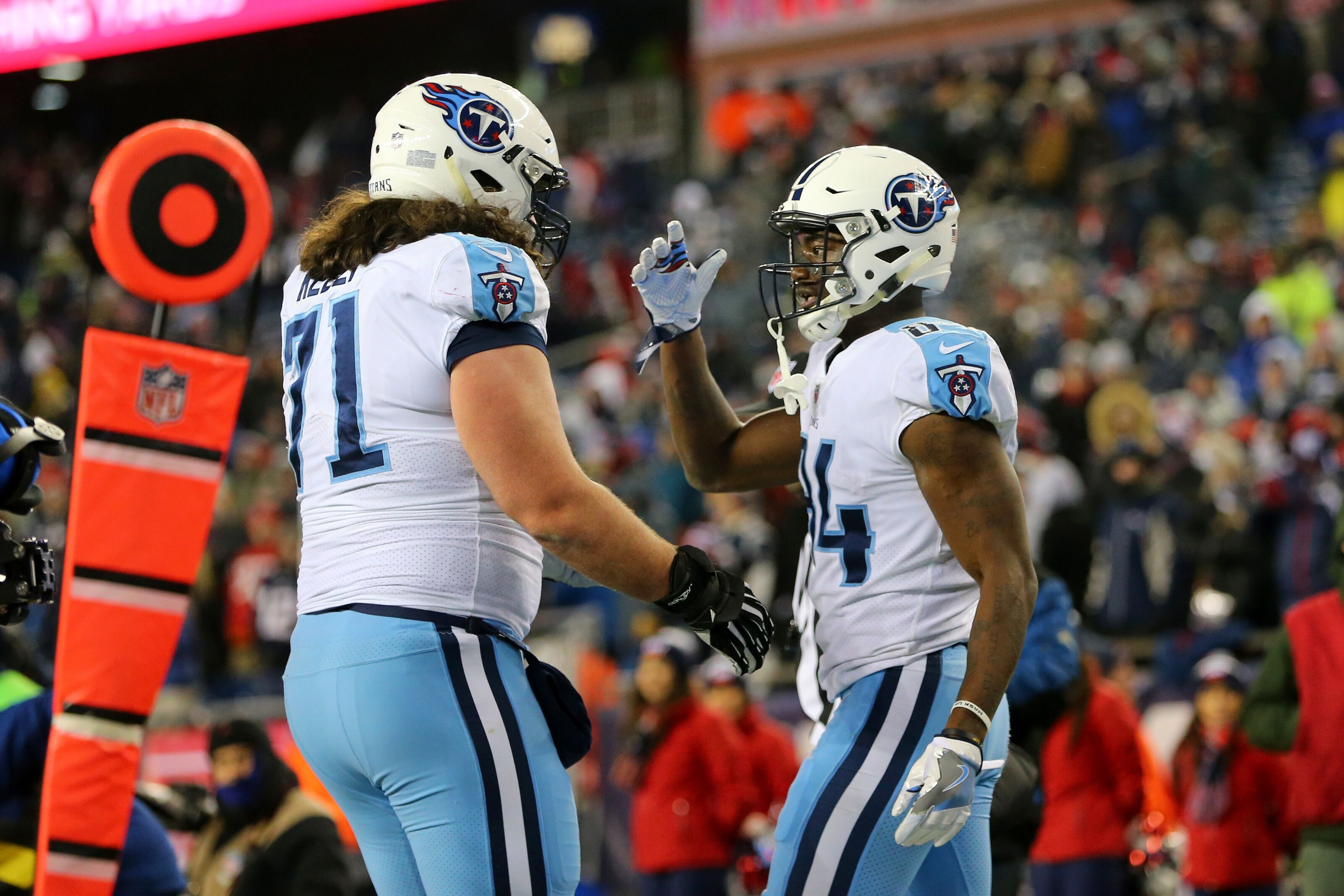first rate 821b1 b2aa7 Tennessee Titans: PFF thinks Dennis Kelly will struggle at ...