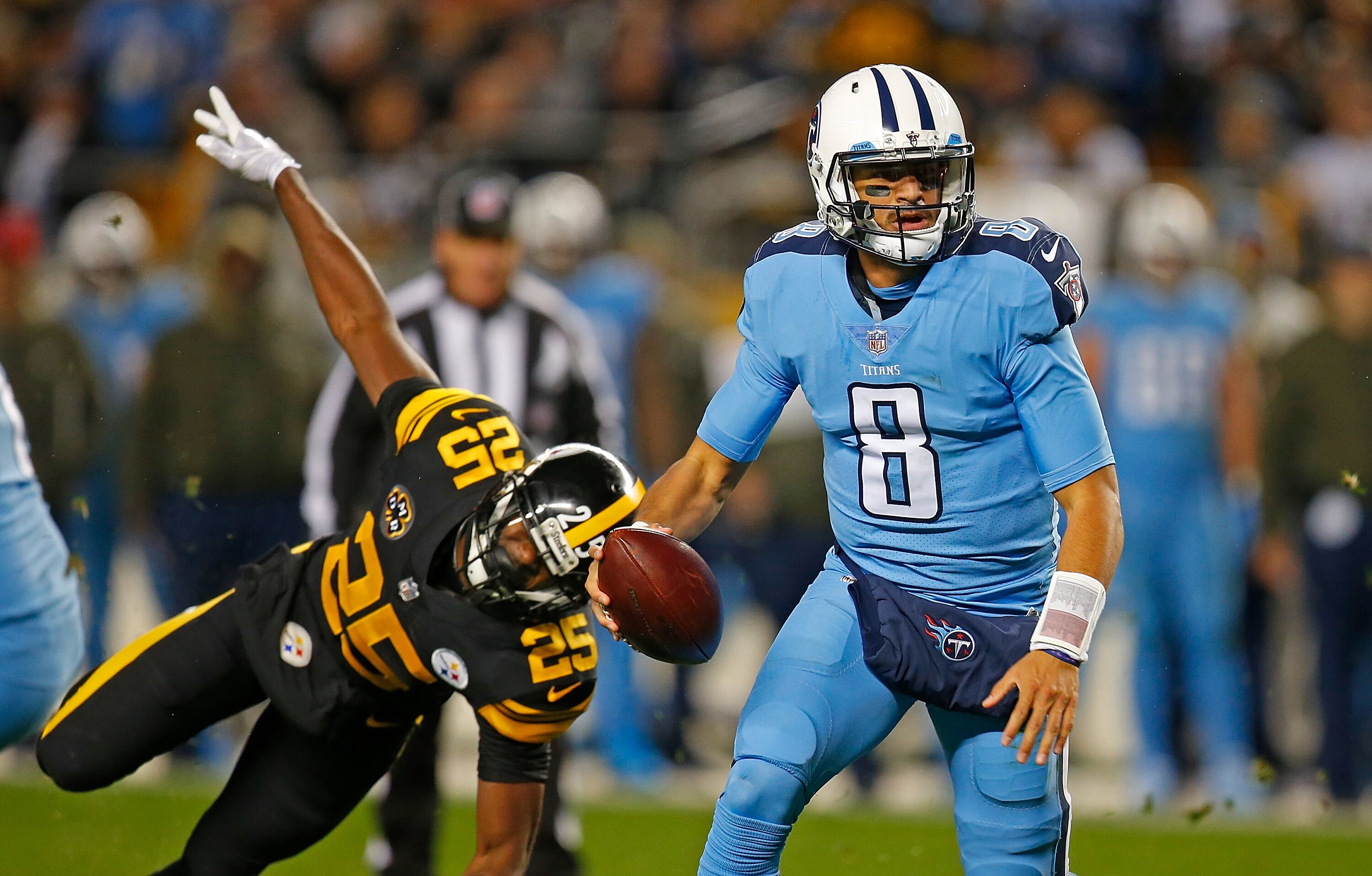 Tennessee Titans Marcus Mariota 'one of the worst' QBs outside pocket?
