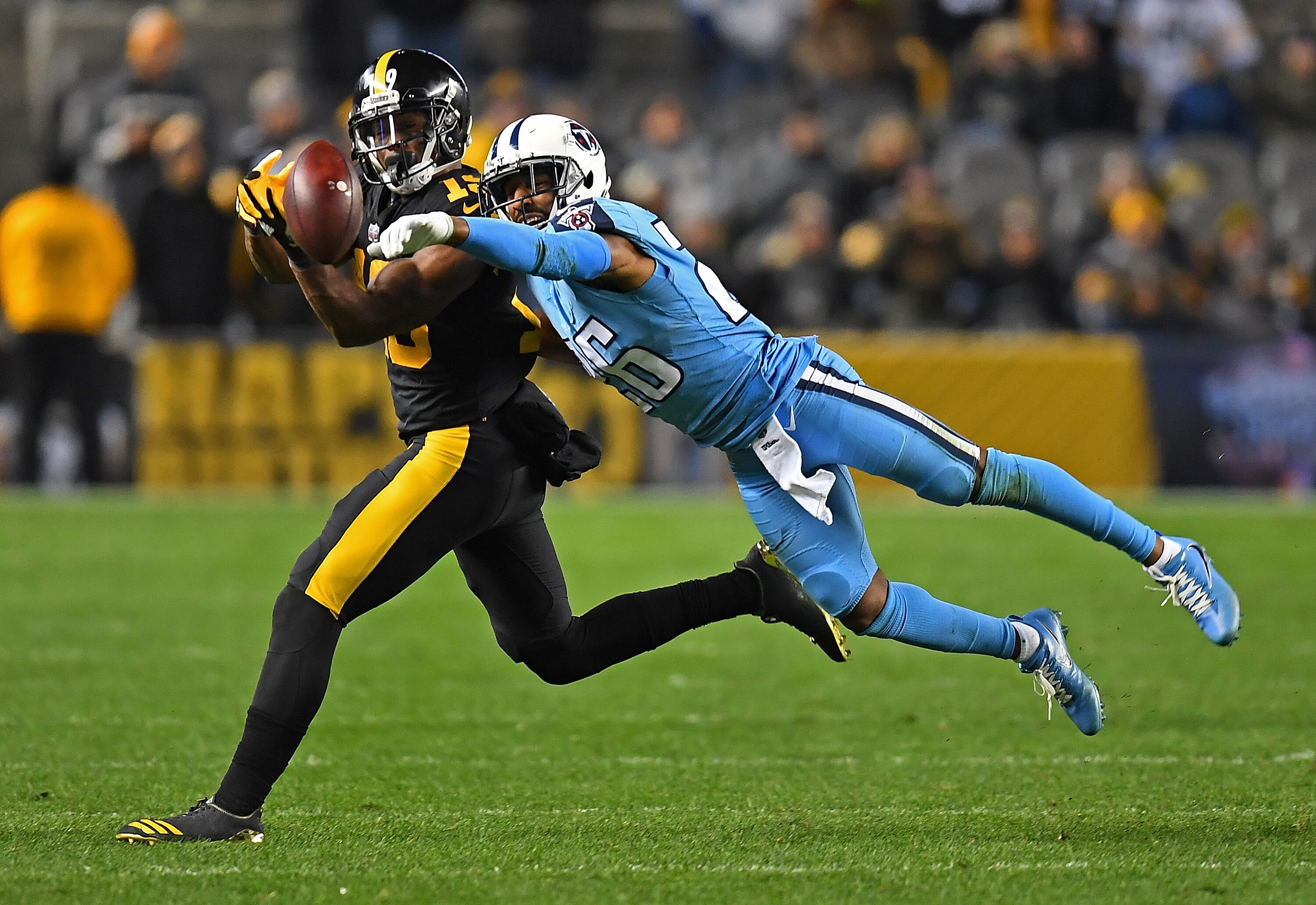 875128560-tennessee-titans-v-pittsburgh-steelers.jpg