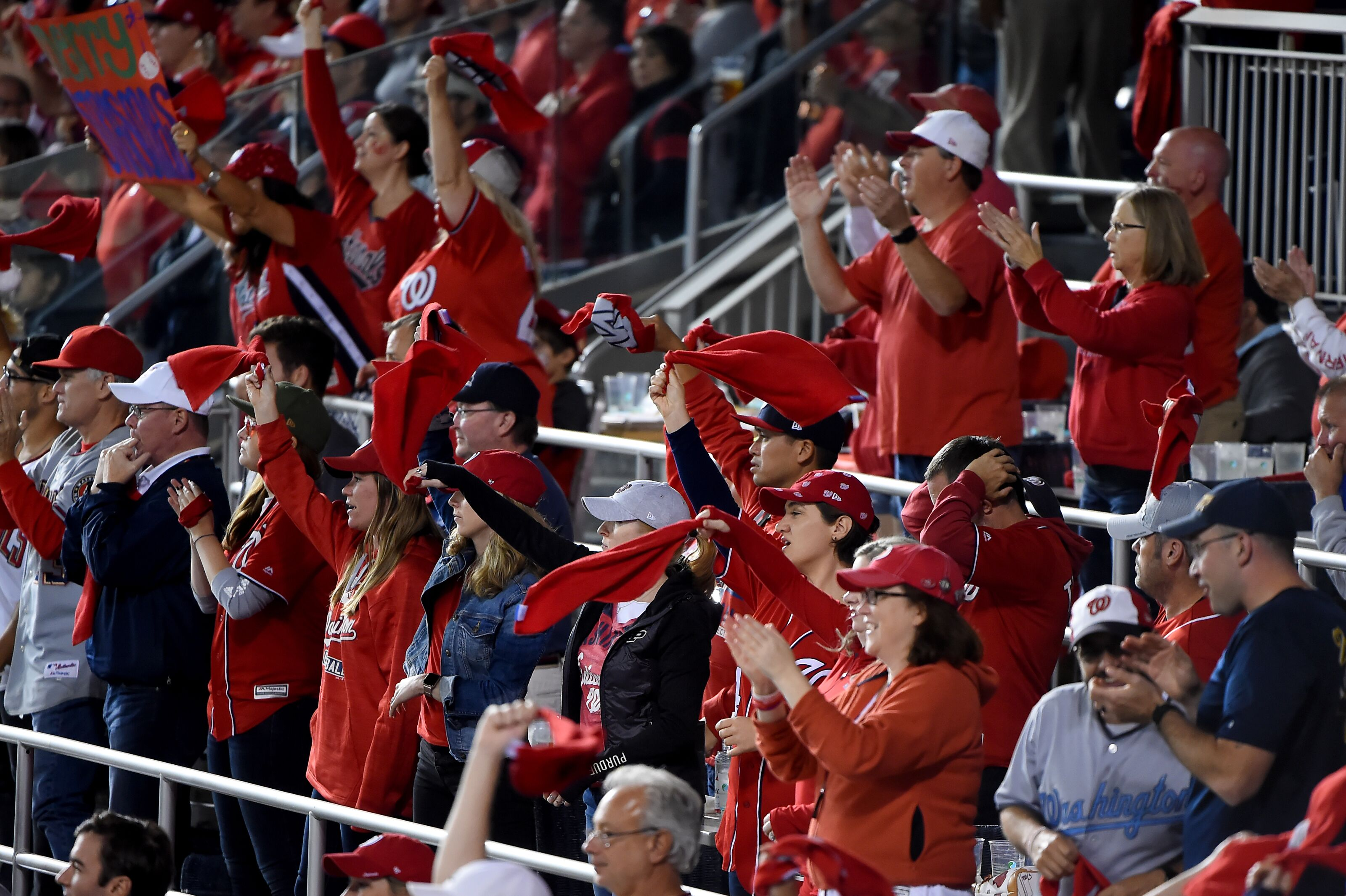 Are Atlanta Braves fans temporary Nats fans in NLCS?