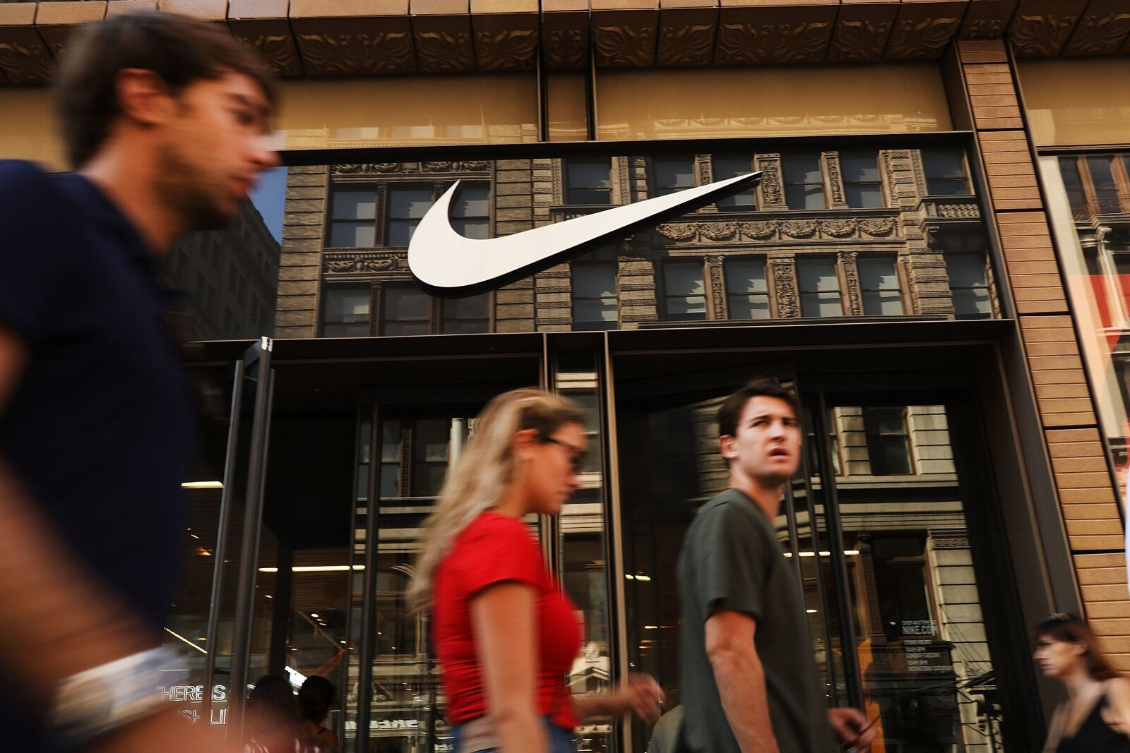 Nike accused of cheating to break the Two Hour Marathon record