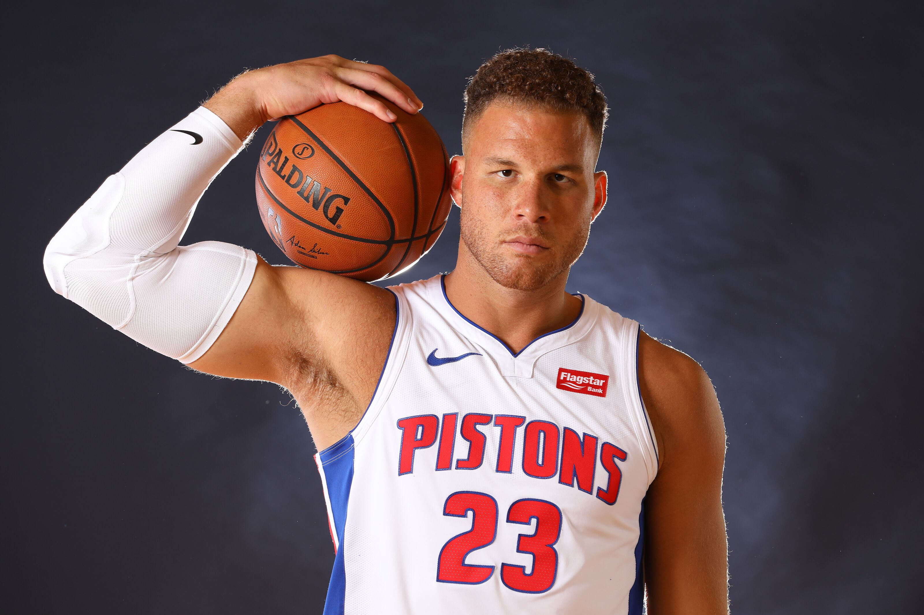 Blake Griffin endorses Zion Williamson's deal with Jordan