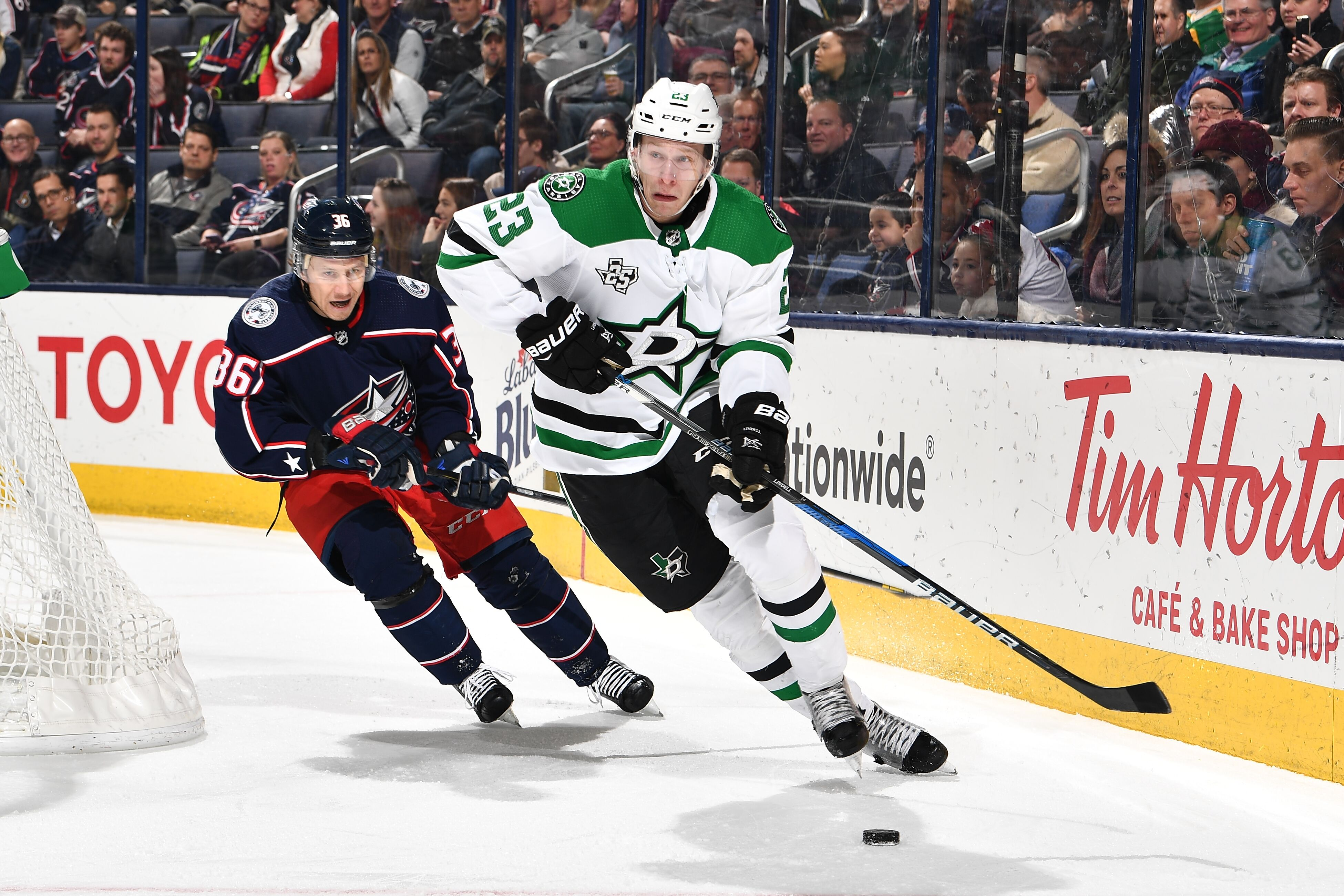 906742248-dallas-stars-v-columbus-blue-jackets.jpg