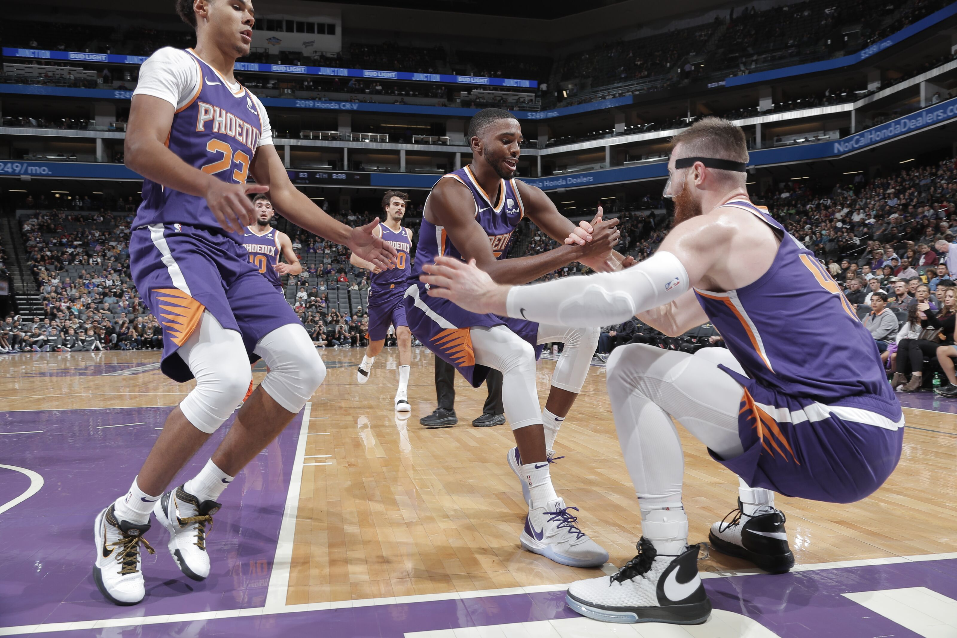 Many Debuts for the Phoenix Suns in Preseason Game 2