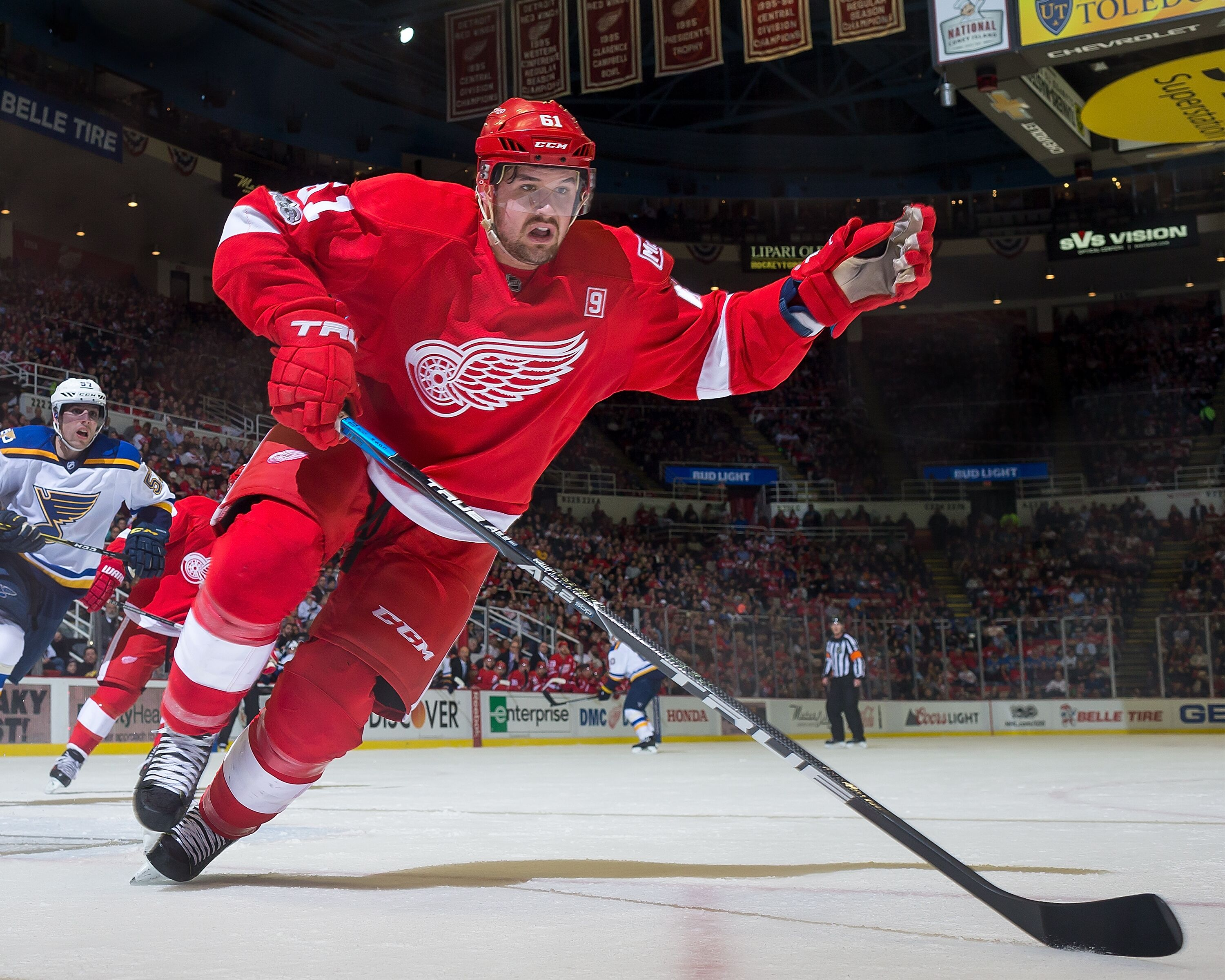 Think, what red wings and golden showers
