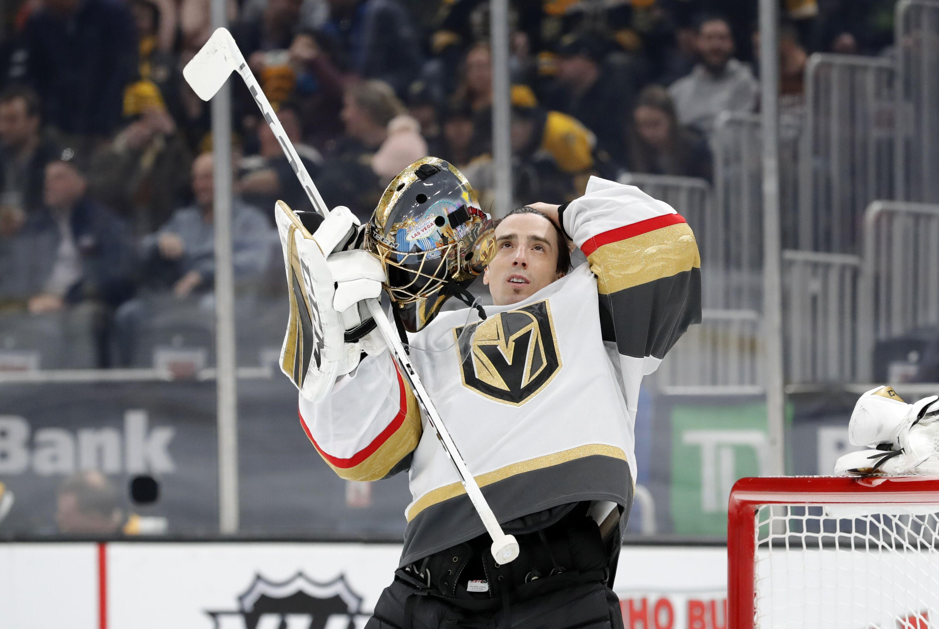 Vegas Golden Knights: Fleury dethrones The King as goalie of the decade