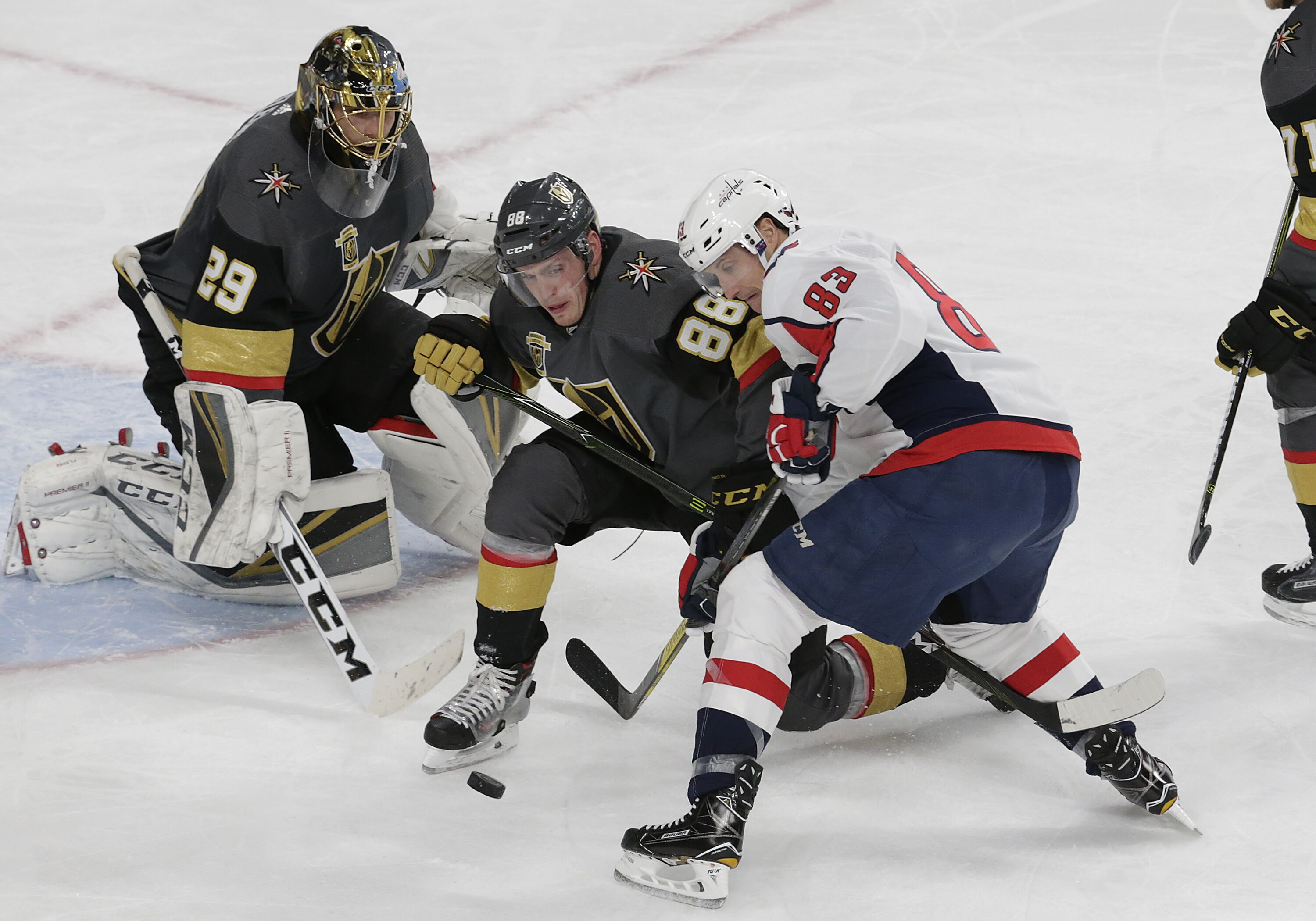 899436994-nhl-dec-23-capitals-at-golden-knights.jpg