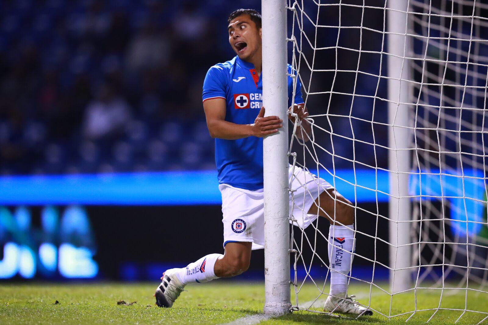 685883ac3d8 Toluca impresses in Liga MX opener; Puebla ties Cruz Azul