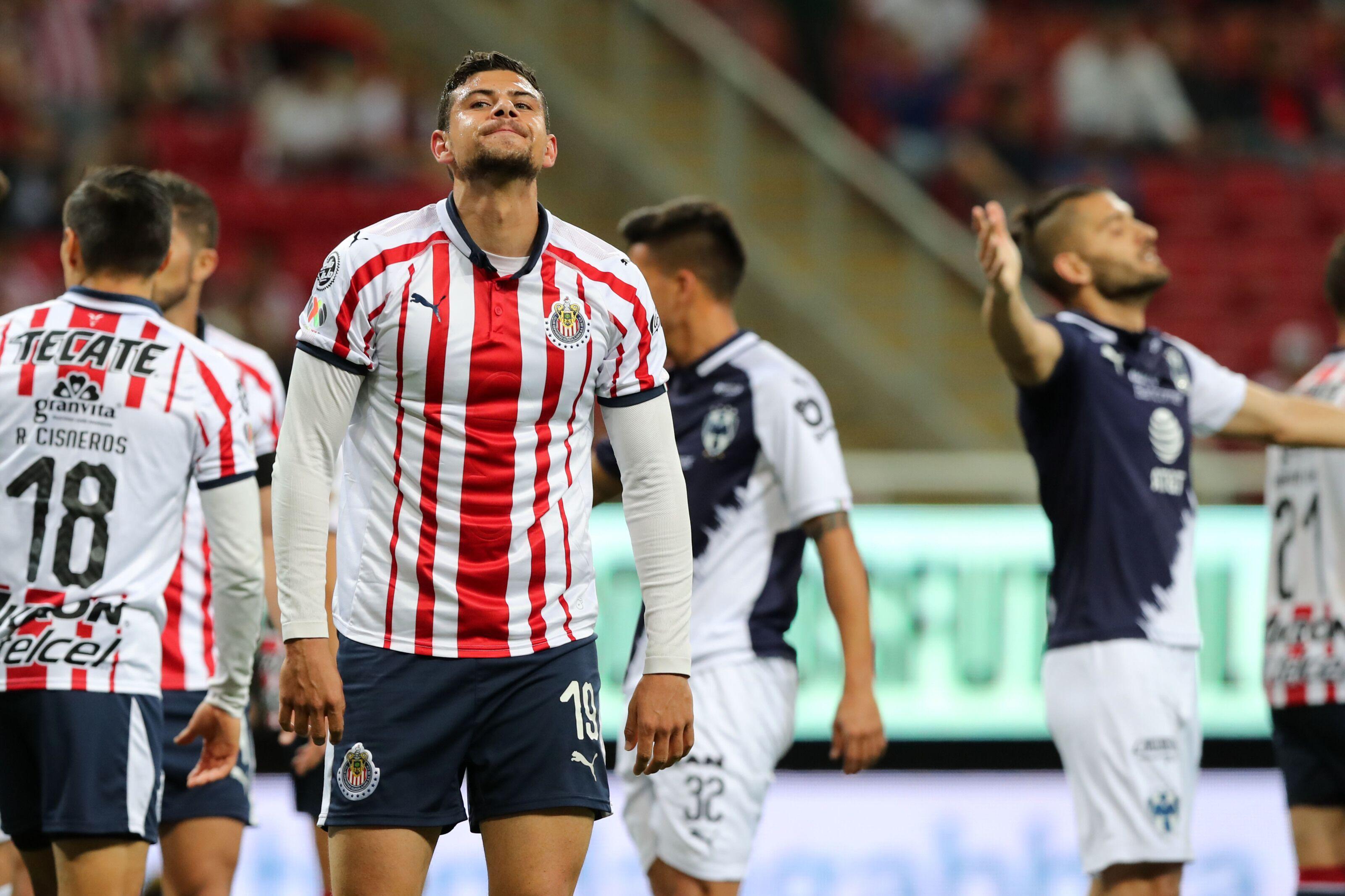 Their fortunes fading, slumping Chivas visit sinking Pumas