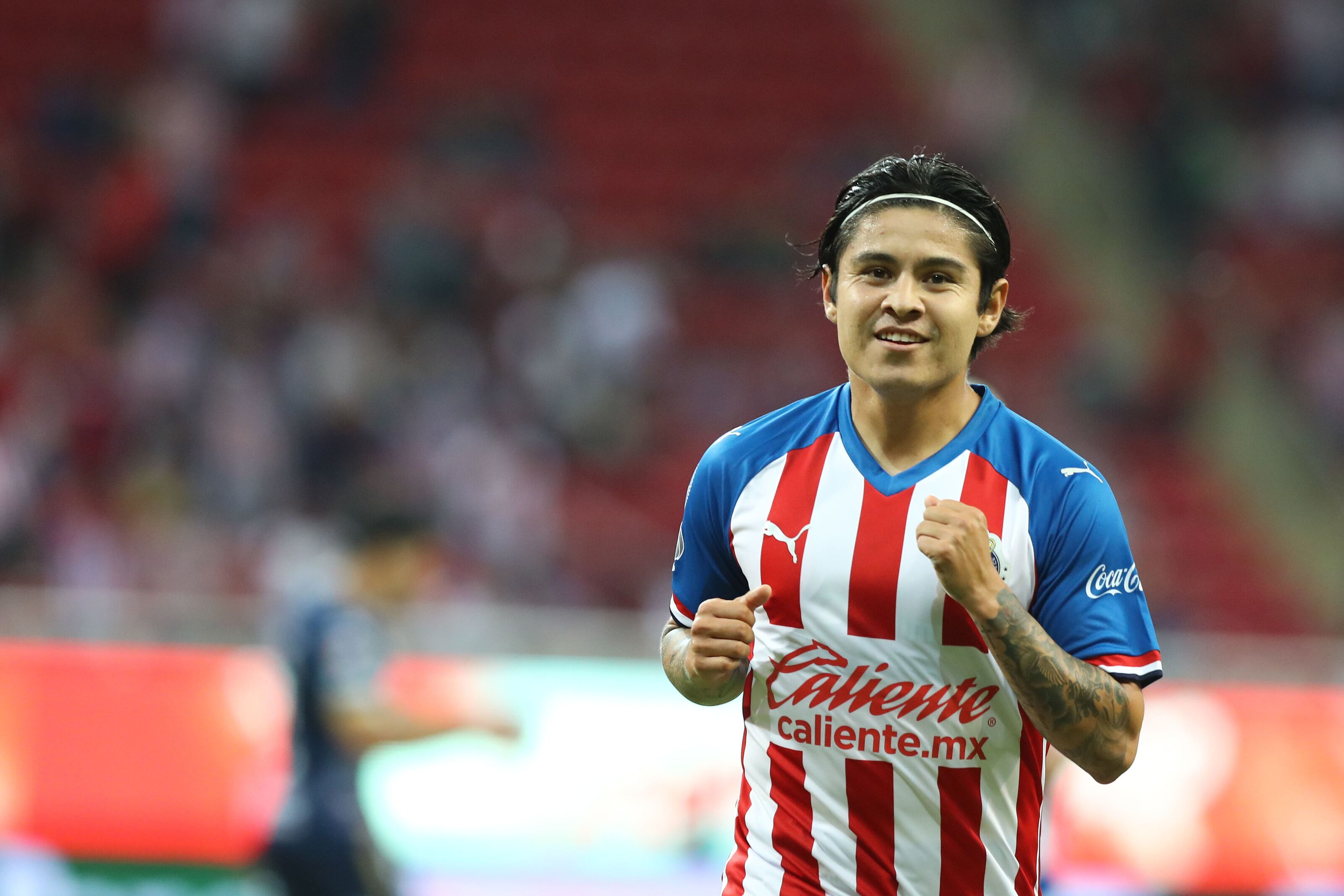 'Chofis' leads Chivas to dominant win over San Luis in Matchday 4