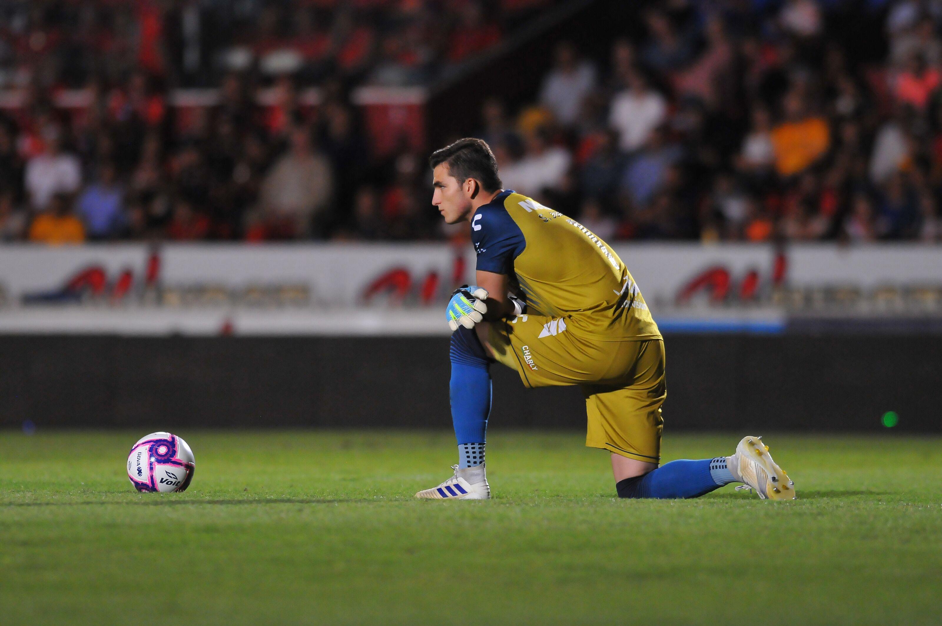 Liga MX: Unpaid Veracruz players take a stand … literally