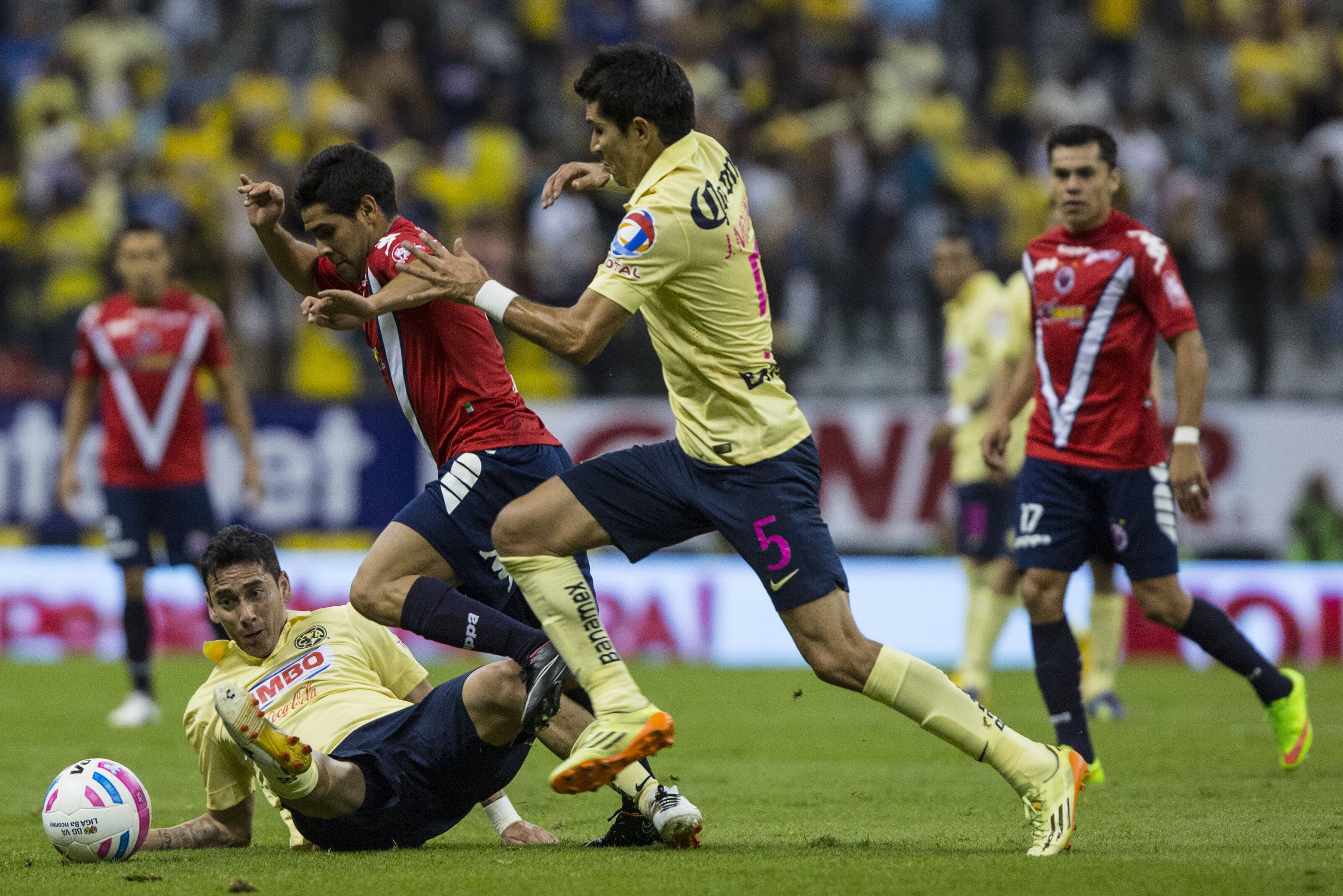 Season in Review: Aguilas fail to soar; Sharks don't swim