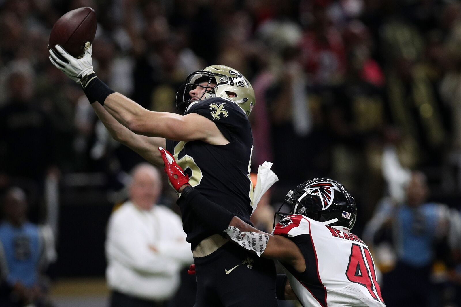Saints activate TE Dan Arnold to add offensive options