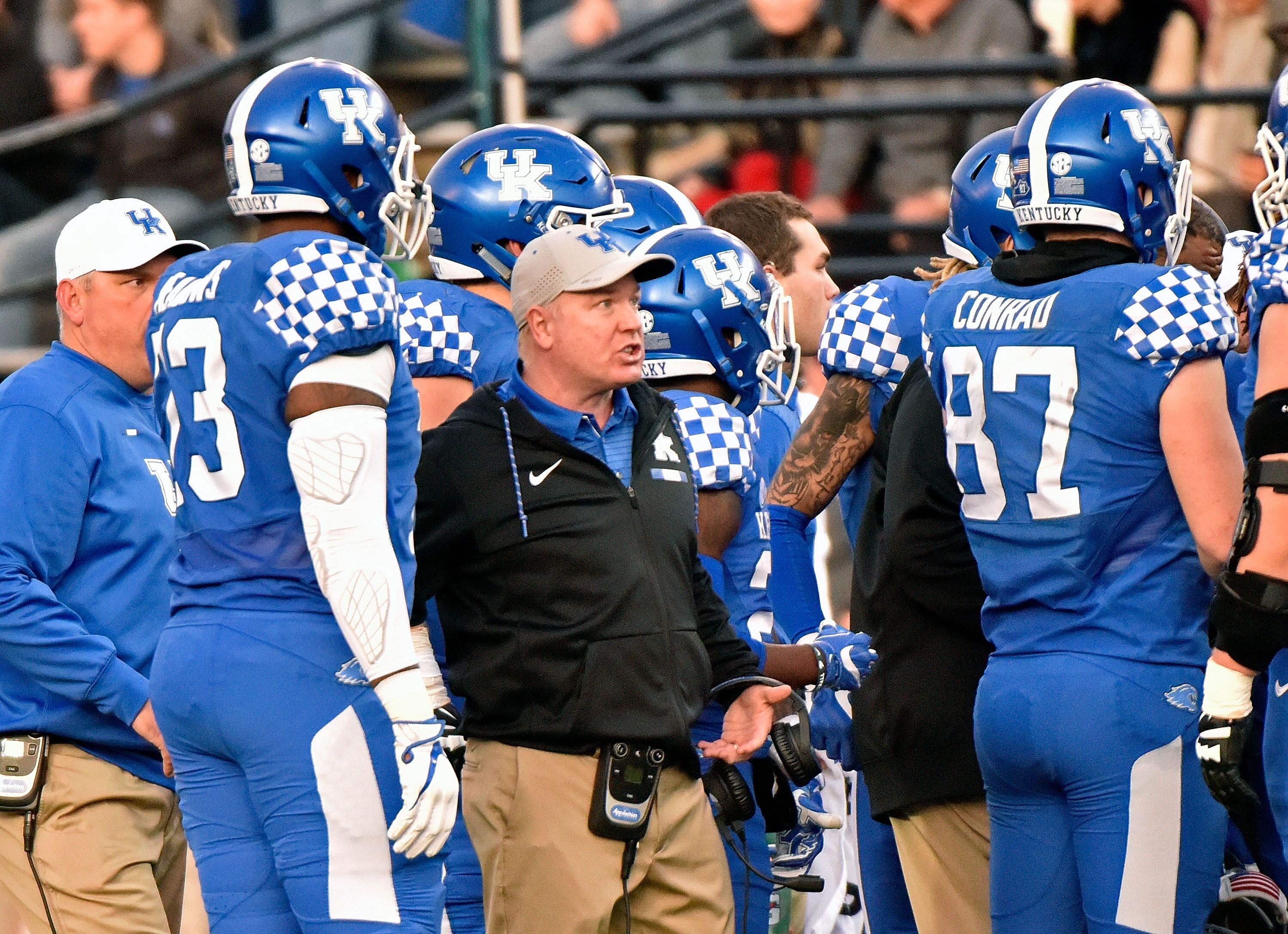 Kentucky Basketball Wildcats Have Found Their Groove: UK Football: Two Freshmen Most Likely To Start For The