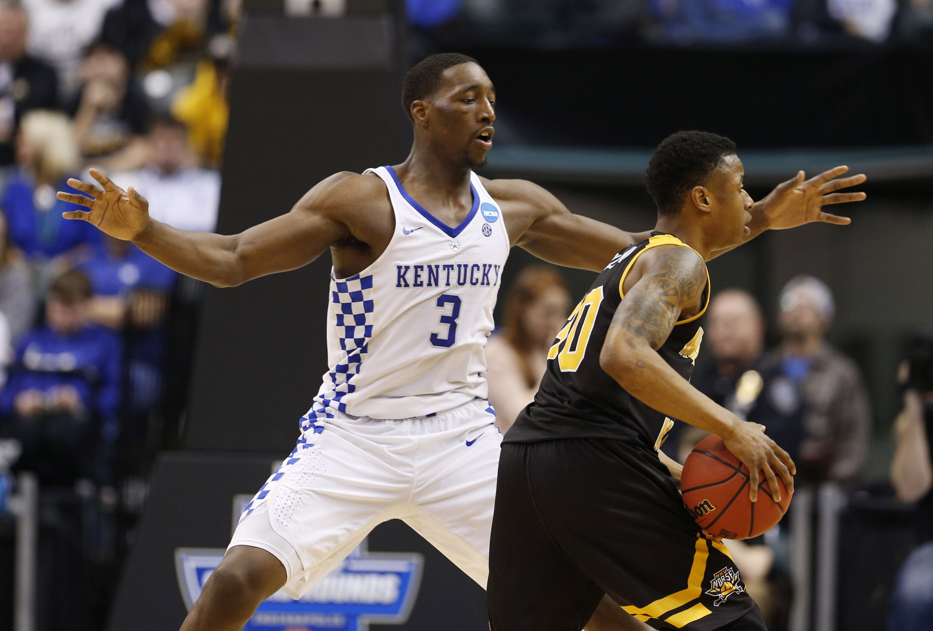 The Undefeated Kentucky Wildcats: Kentucky Basketball: Wildcats Get By Northern Kentucky In