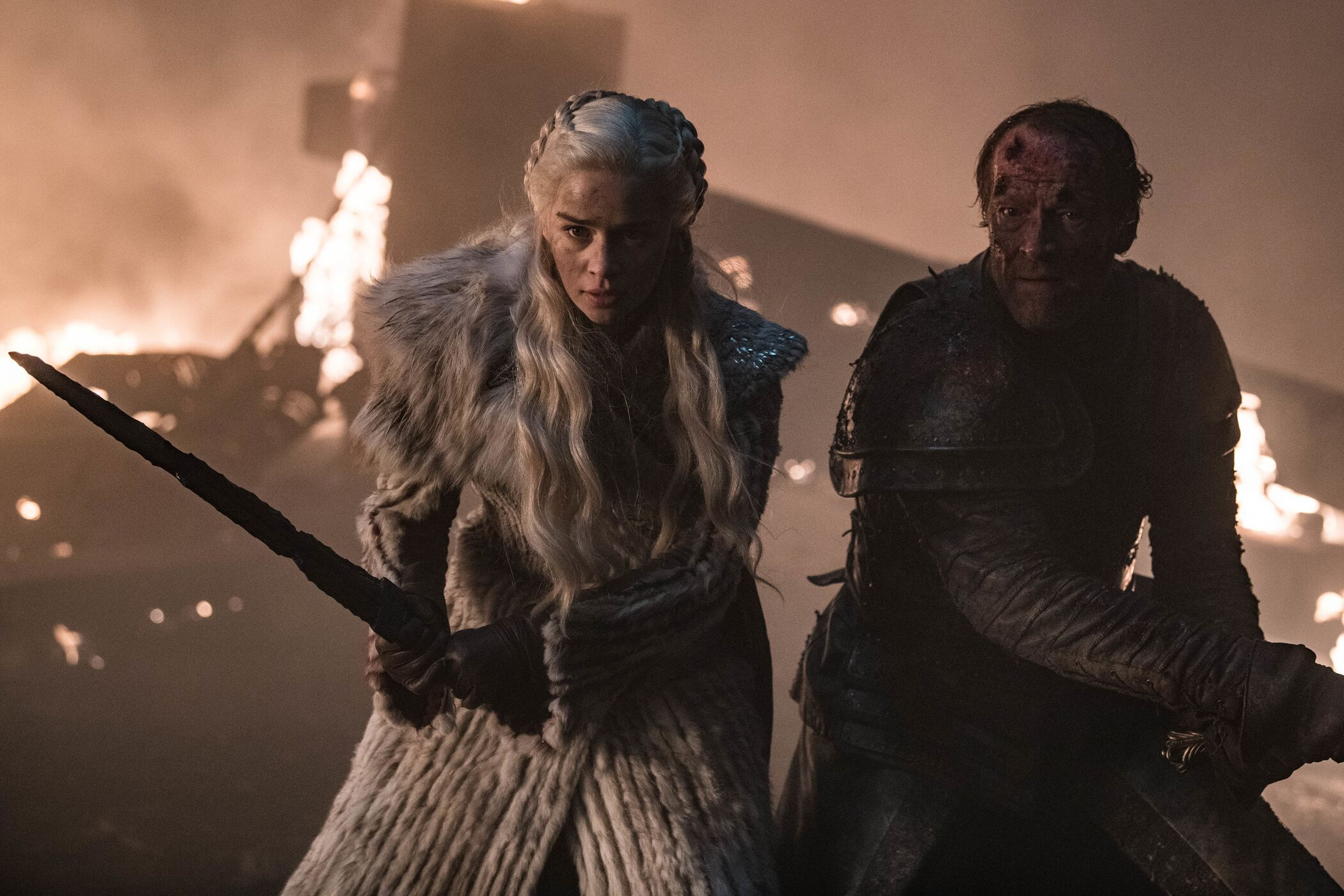 """More reasons """"The Long Night"""" was so dark, and other behind-the-scenes Game of Thrones tidbits"""