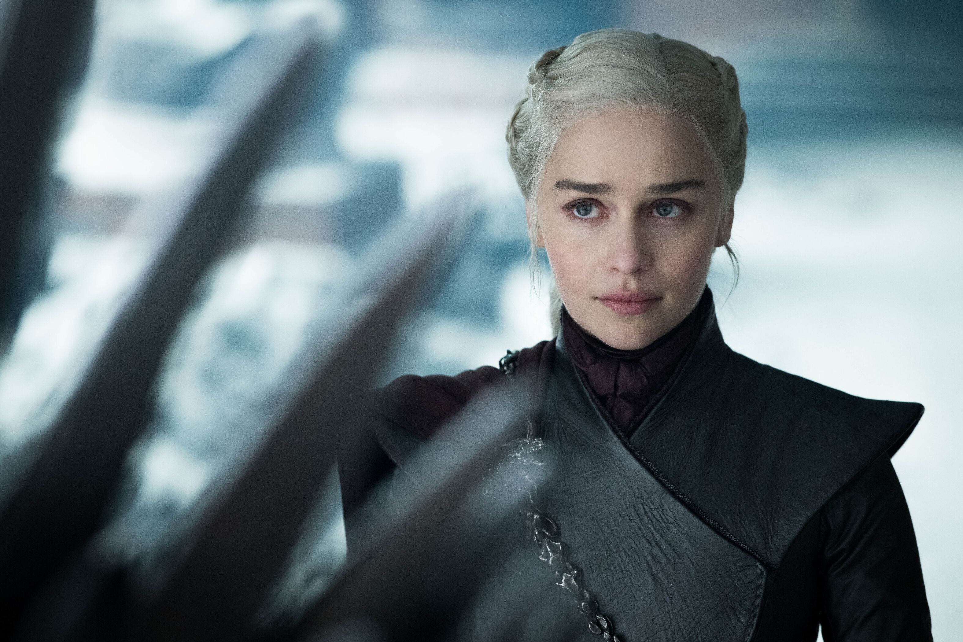 Side-by-side video compares the two times Daenerys has approached the Iron Throne