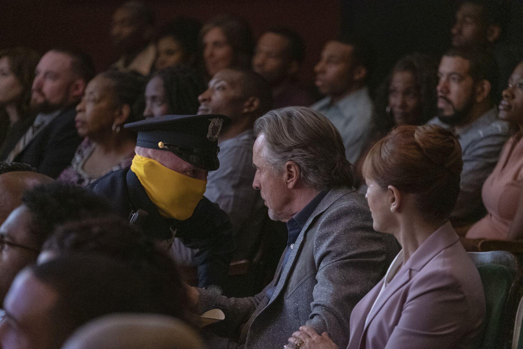 Damon Lindelof explains that surprise death in the Watchmen series premiere