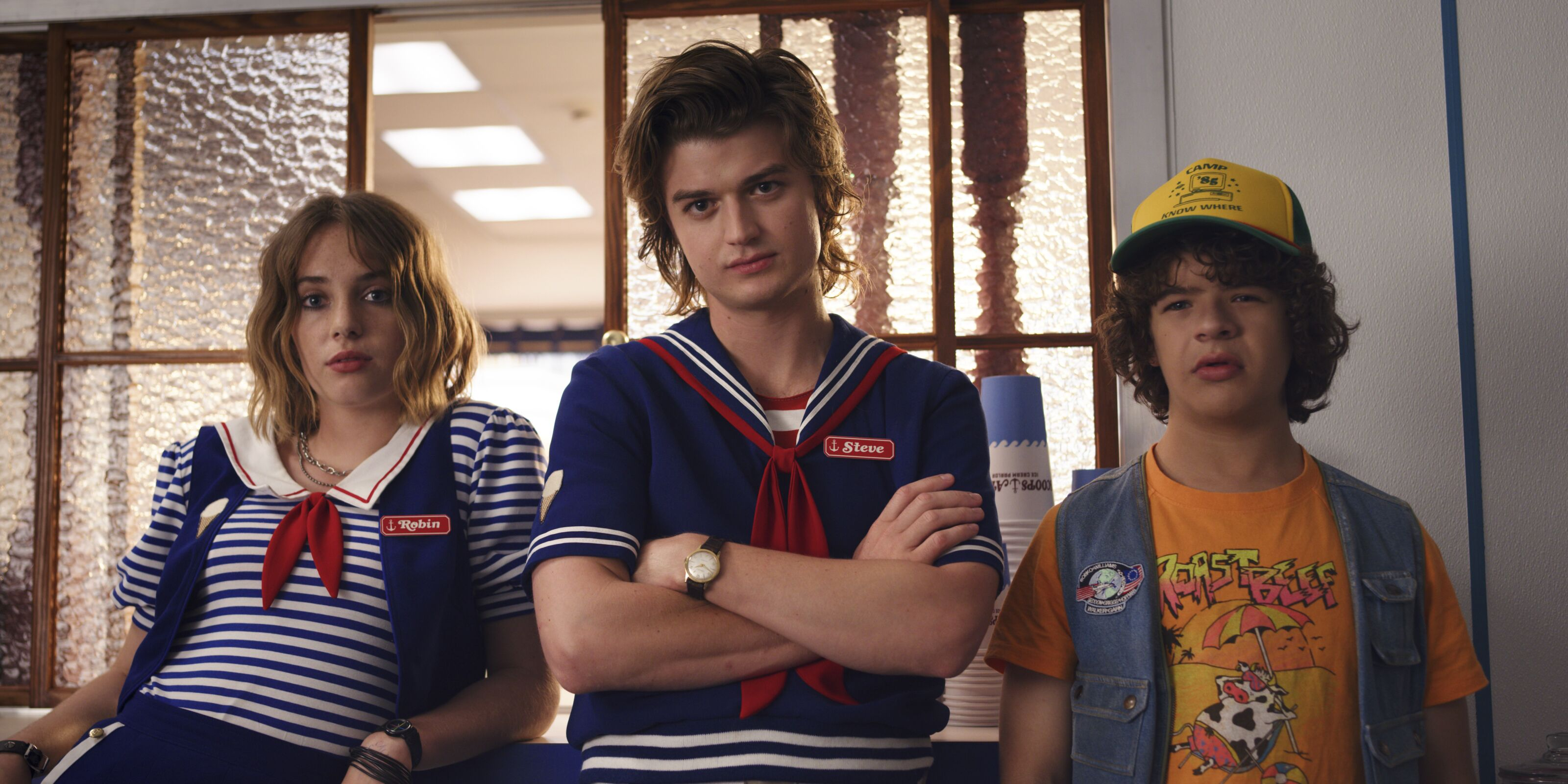 Joe Keery (Steve) cut his beautiful hair and Stranger Things fans are in mourning