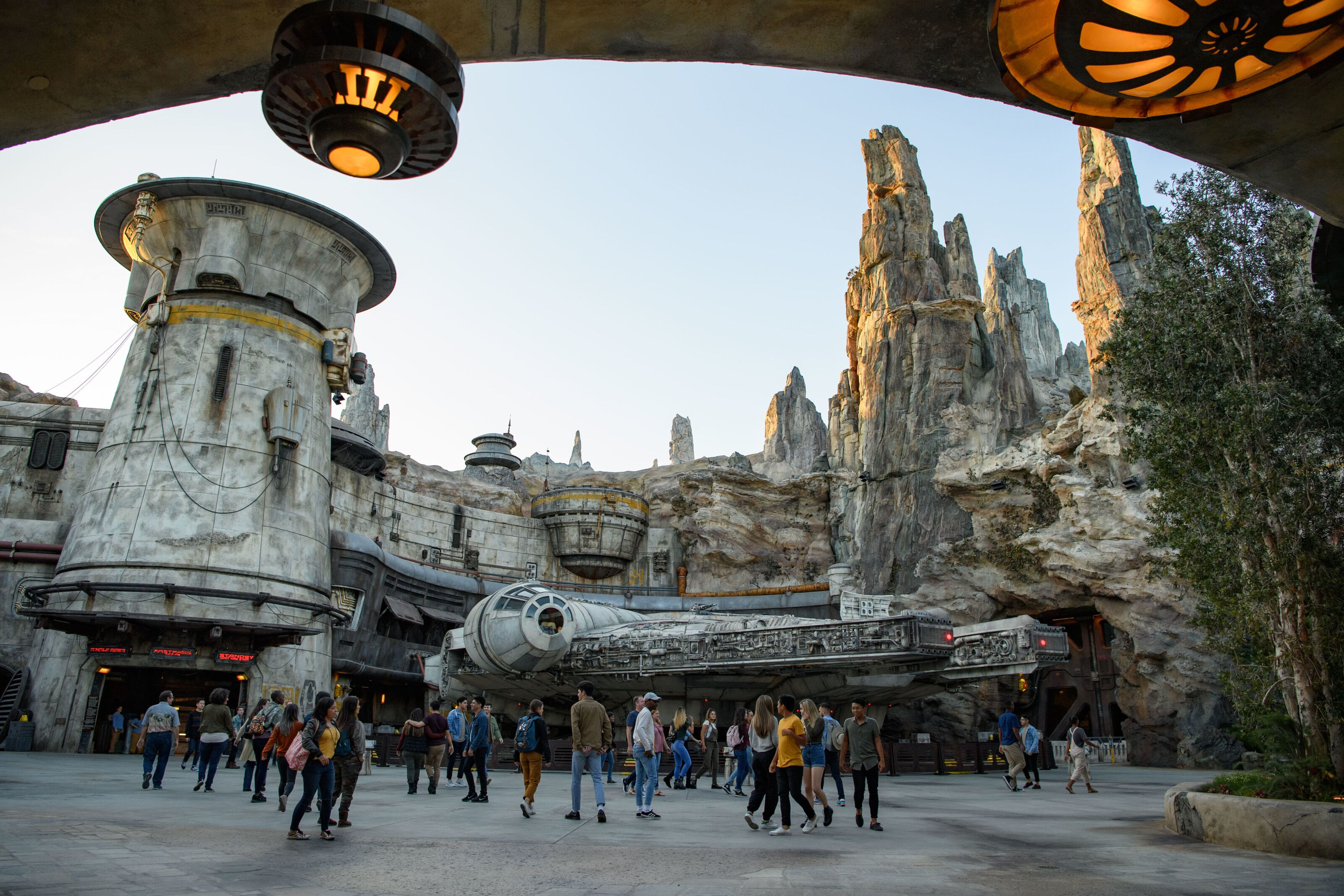 Star Wars fans are stealing stuff from Galaxy's Edge and selling it on eBay