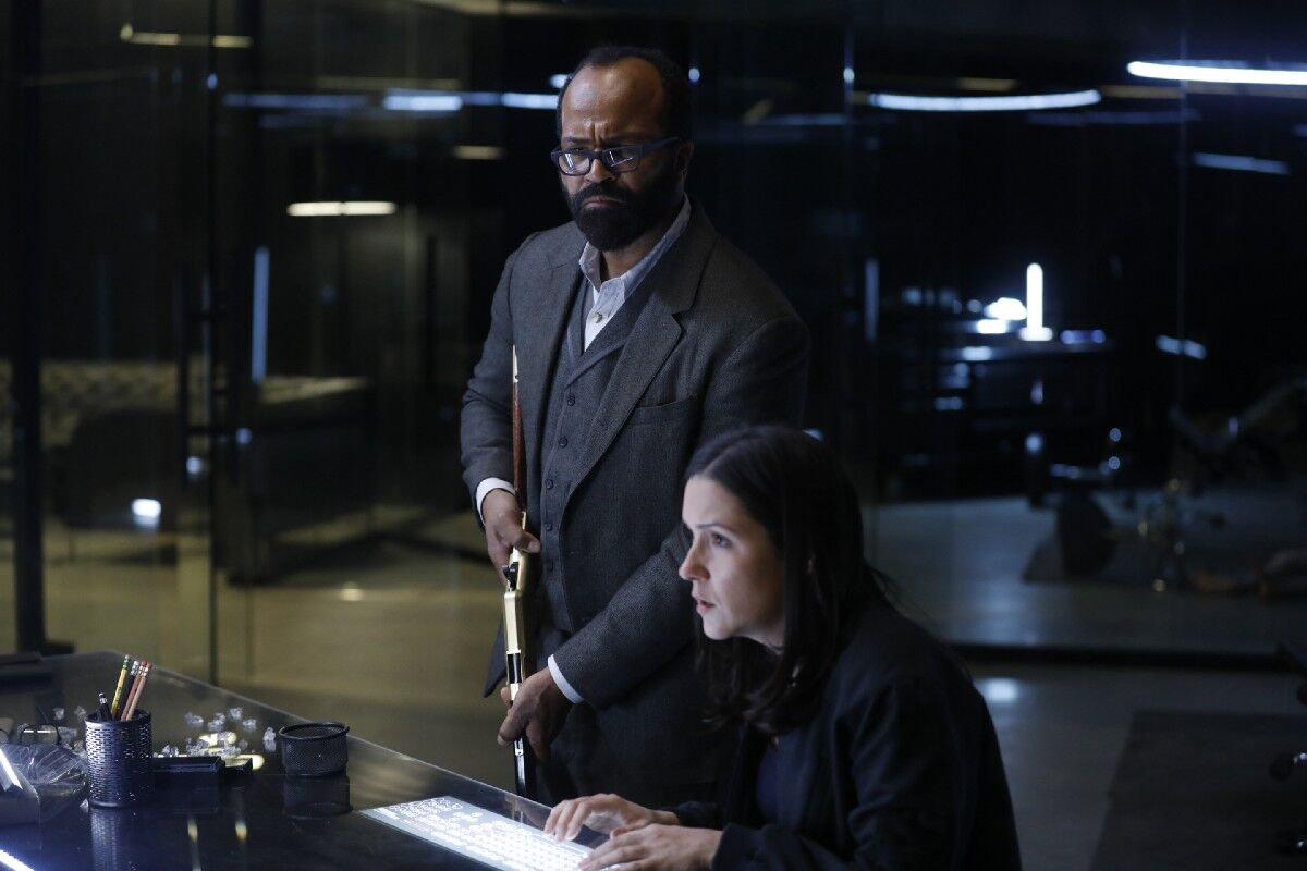 https://imagesvc.timeincapp.com/v3/fan/image?url=https://winteriscoming.net/wp-content/blogs.dir/385/files/2018/05/Westworld-206-Bernard-and-Elsie.jpeg&w=1200