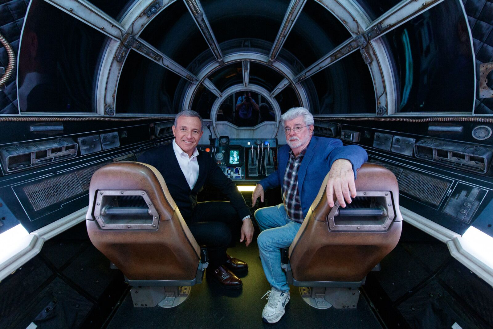 """Disney CEO: """"There's nothing like The Mandalorian on air"""""""
